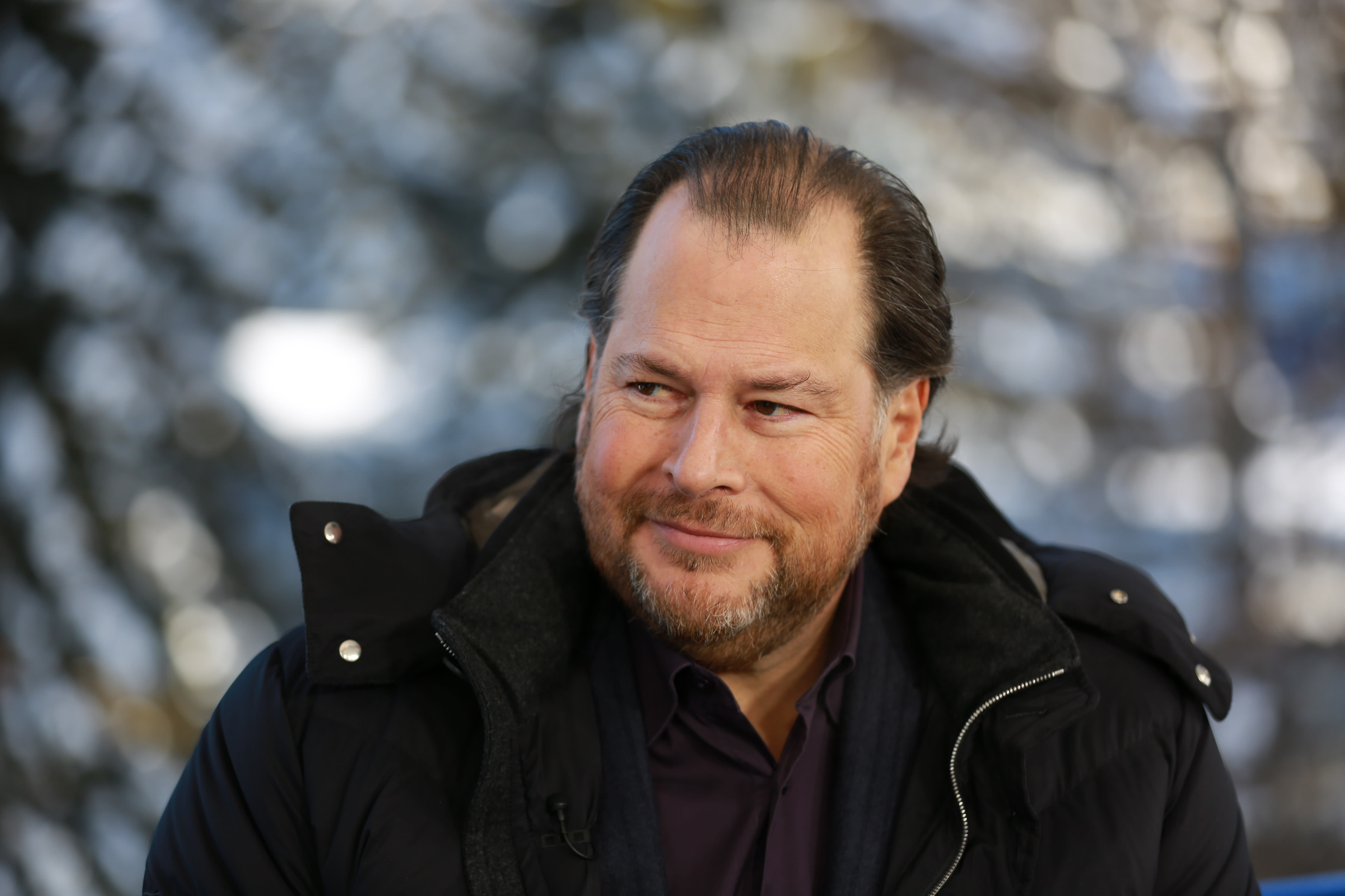 Salesforce's Marc Benioff calls for a 'new capitalism' where billionaires pay higher taxes