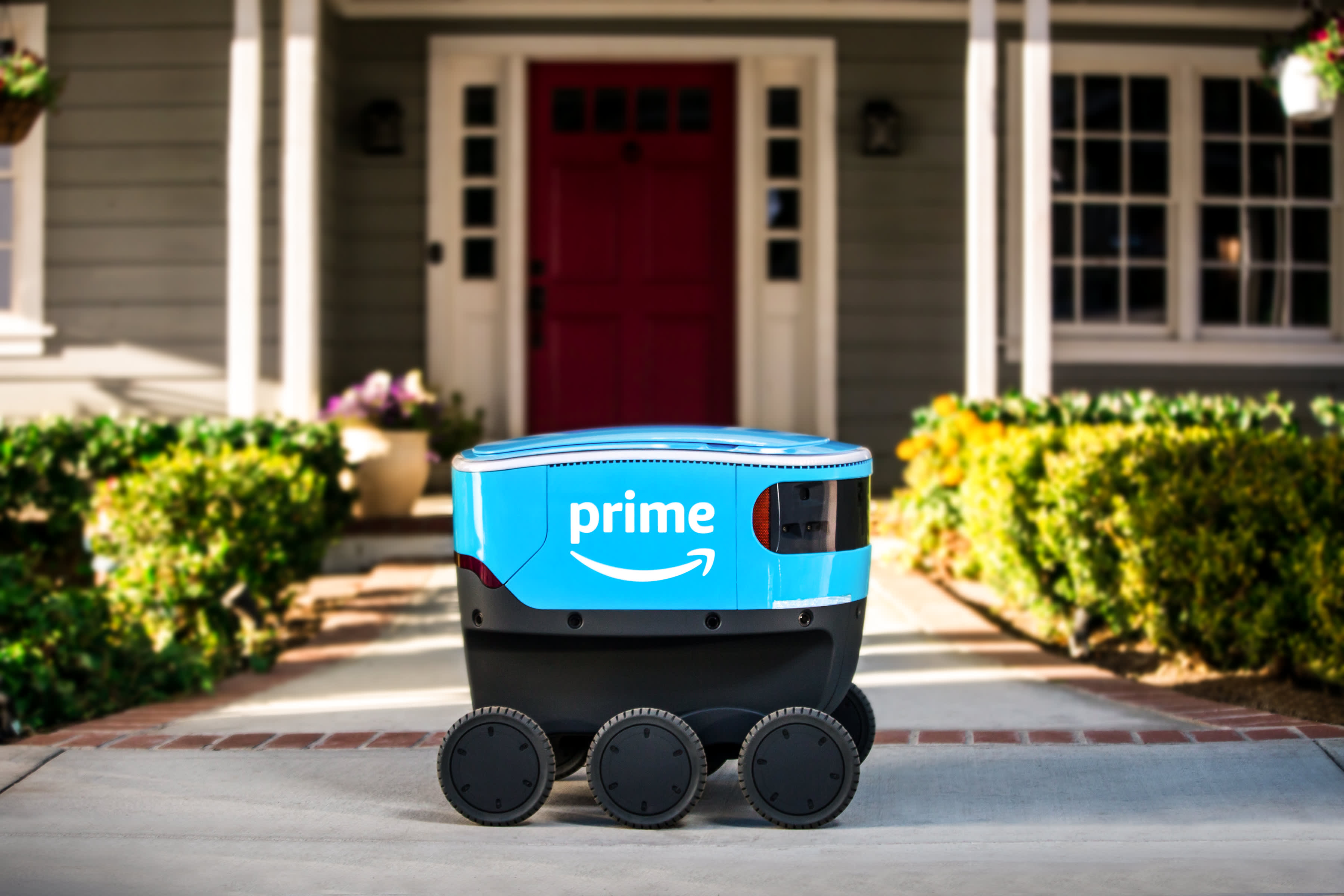 Amazon announces self-driving delivery device called 'Scout'