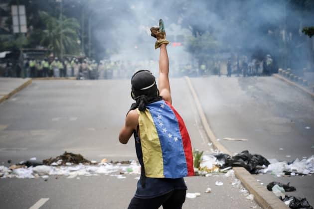 PA: Venezuela opposition activists riot