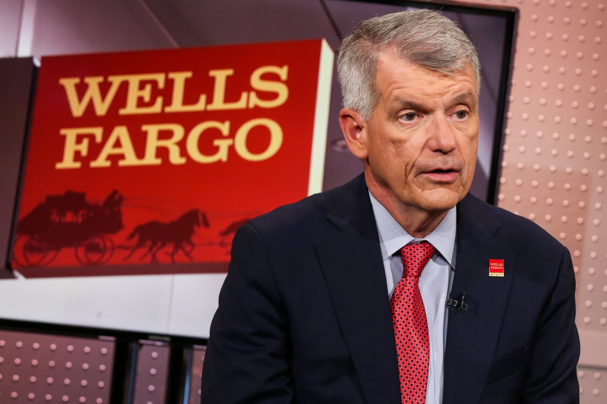 Bank Analyst Dick Bove On Wells Fargo I Dont Think This Stock Is Worth Buying