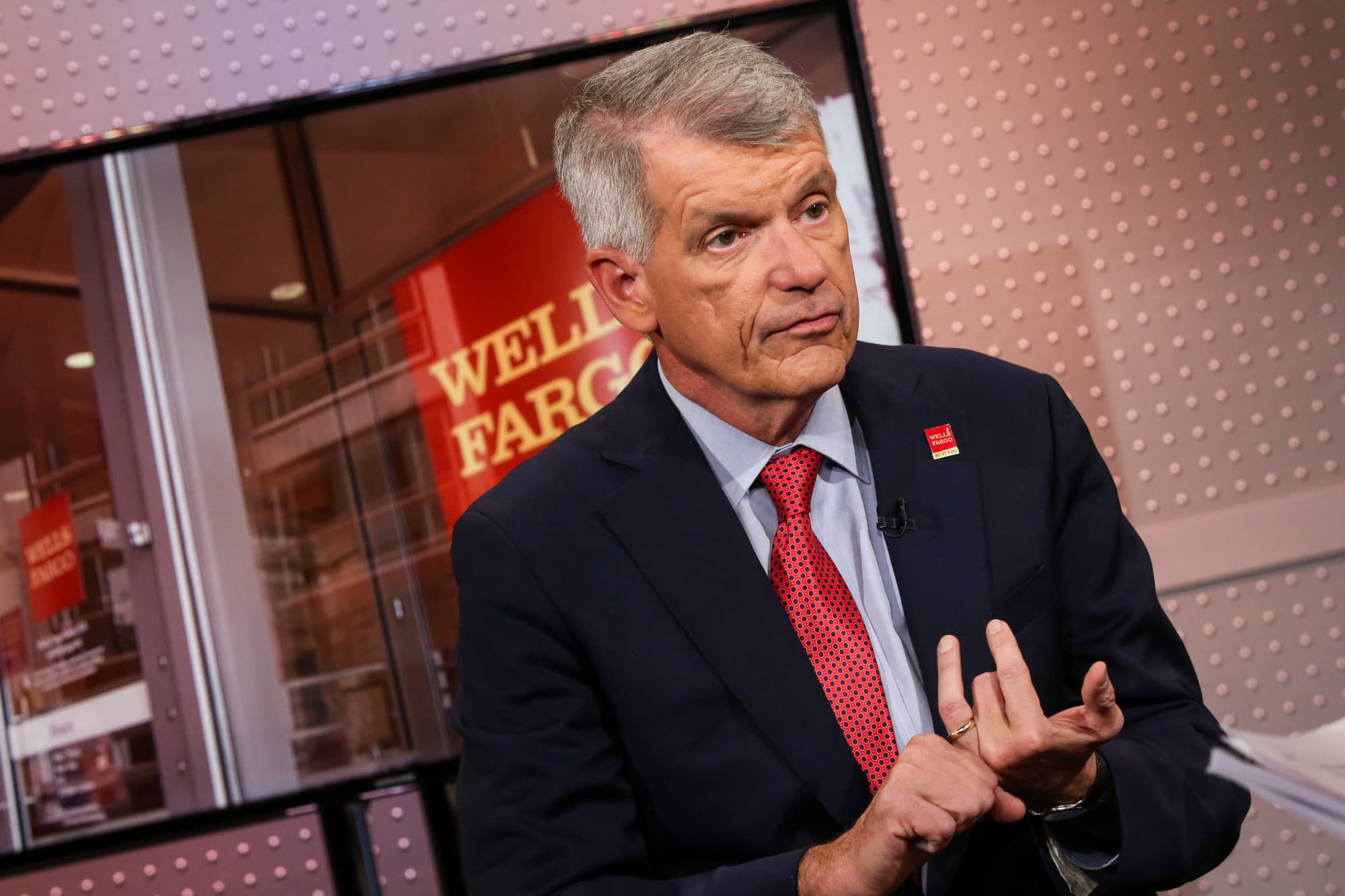 Wells Fargo CEO on helping customers affected by government shutdown