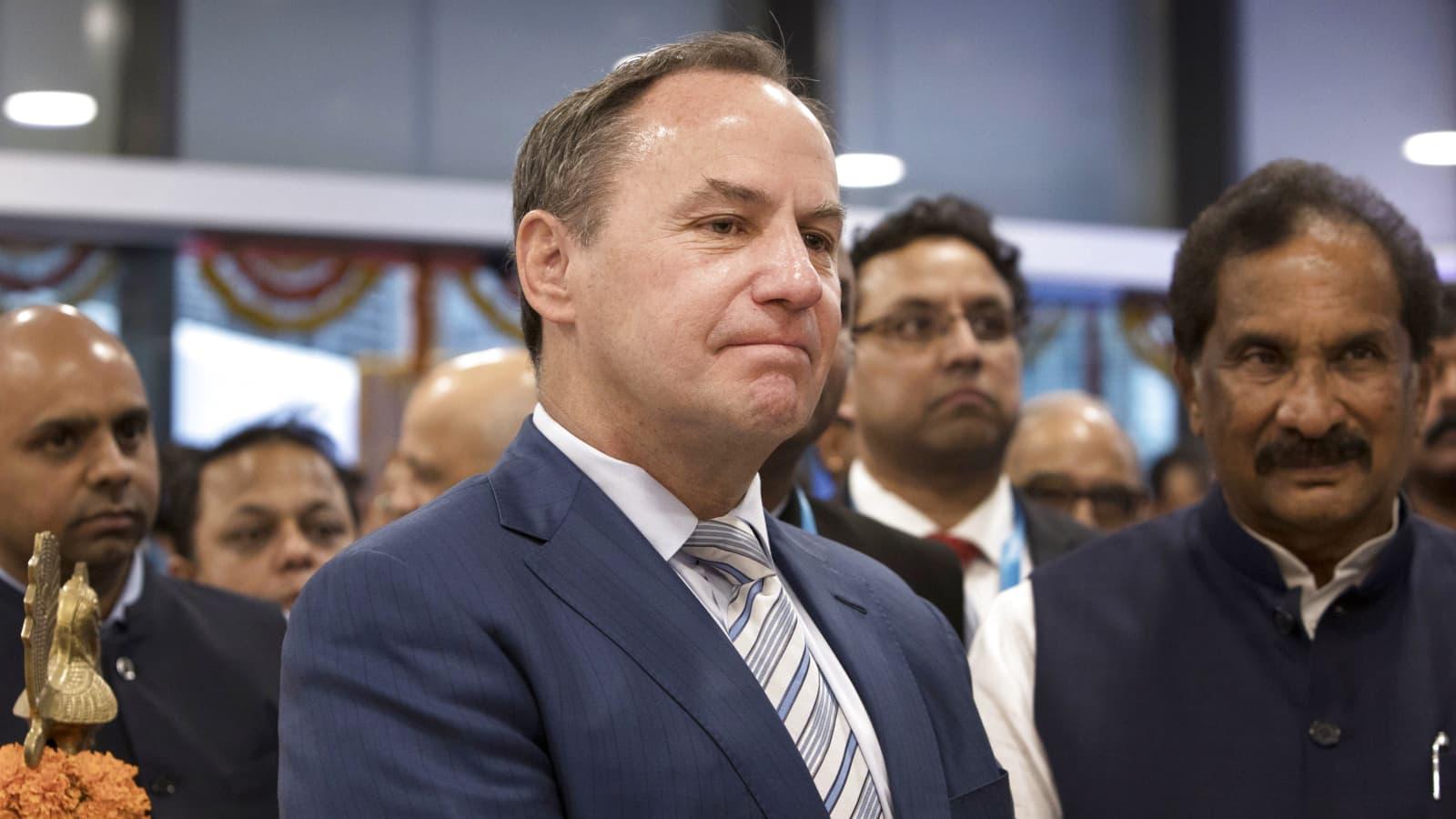 Intel names Robert Swan as CEO