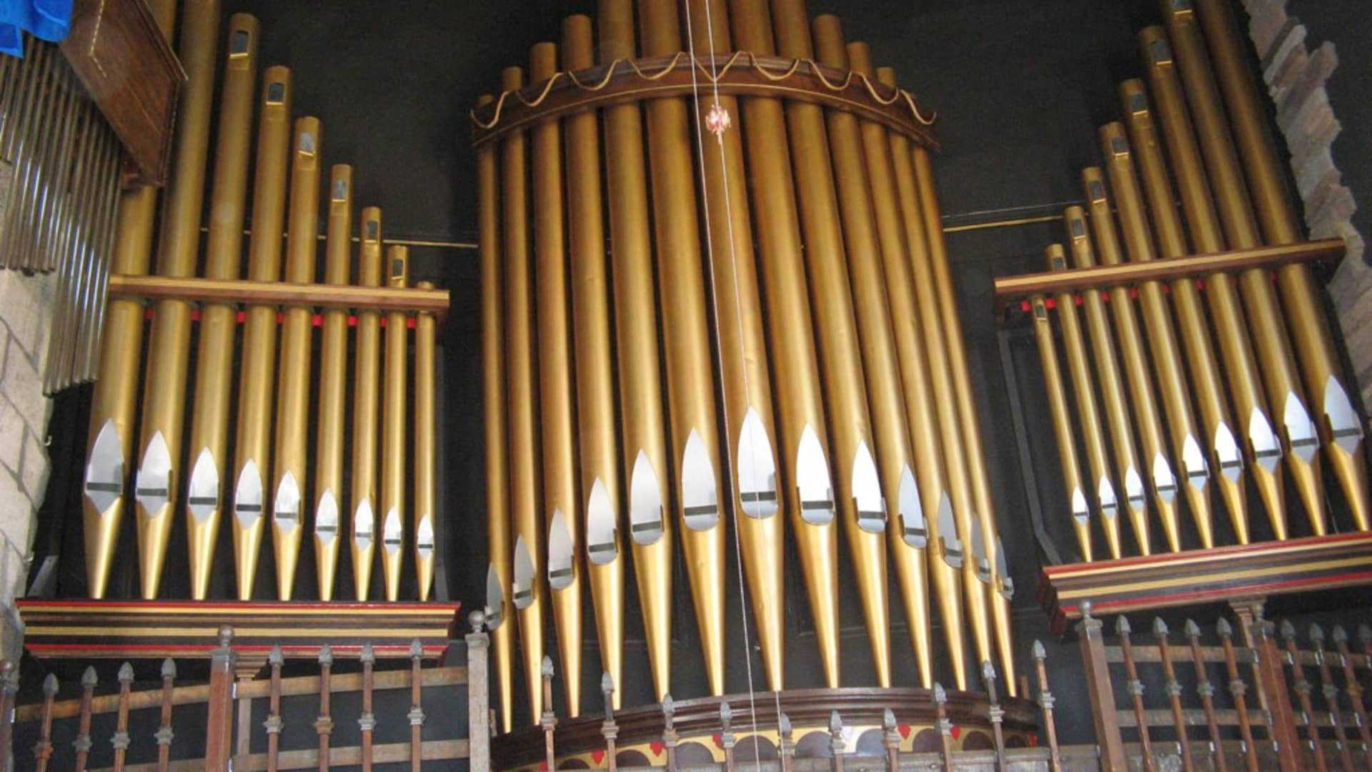 The Hard Luck Mine Castle pipe organs.