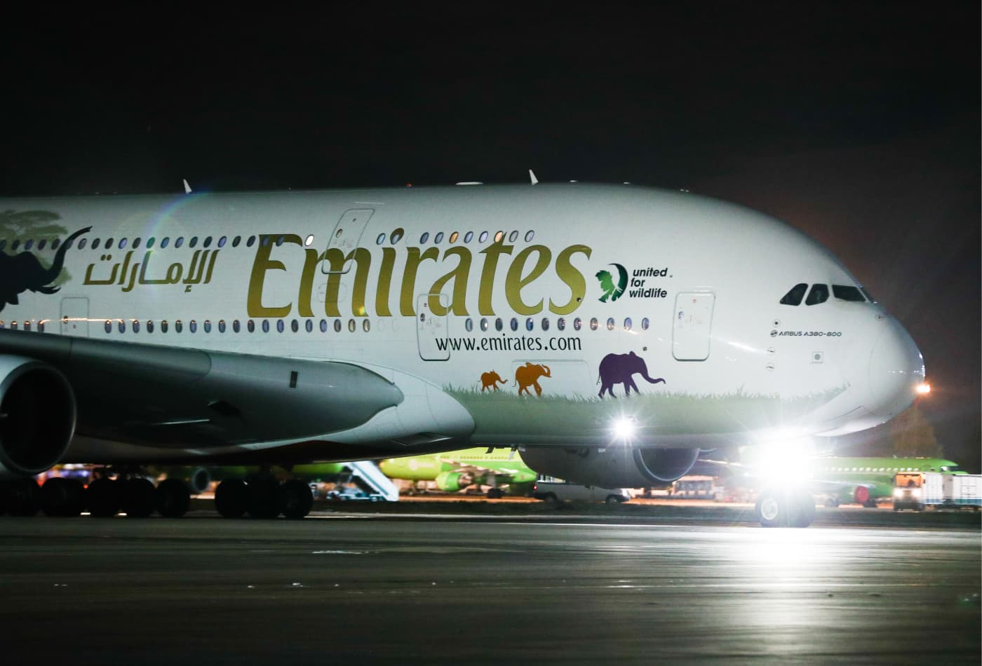 Emirates Airline to temporarily suspend all passenger flights from March 25 as UAE halts all air travel