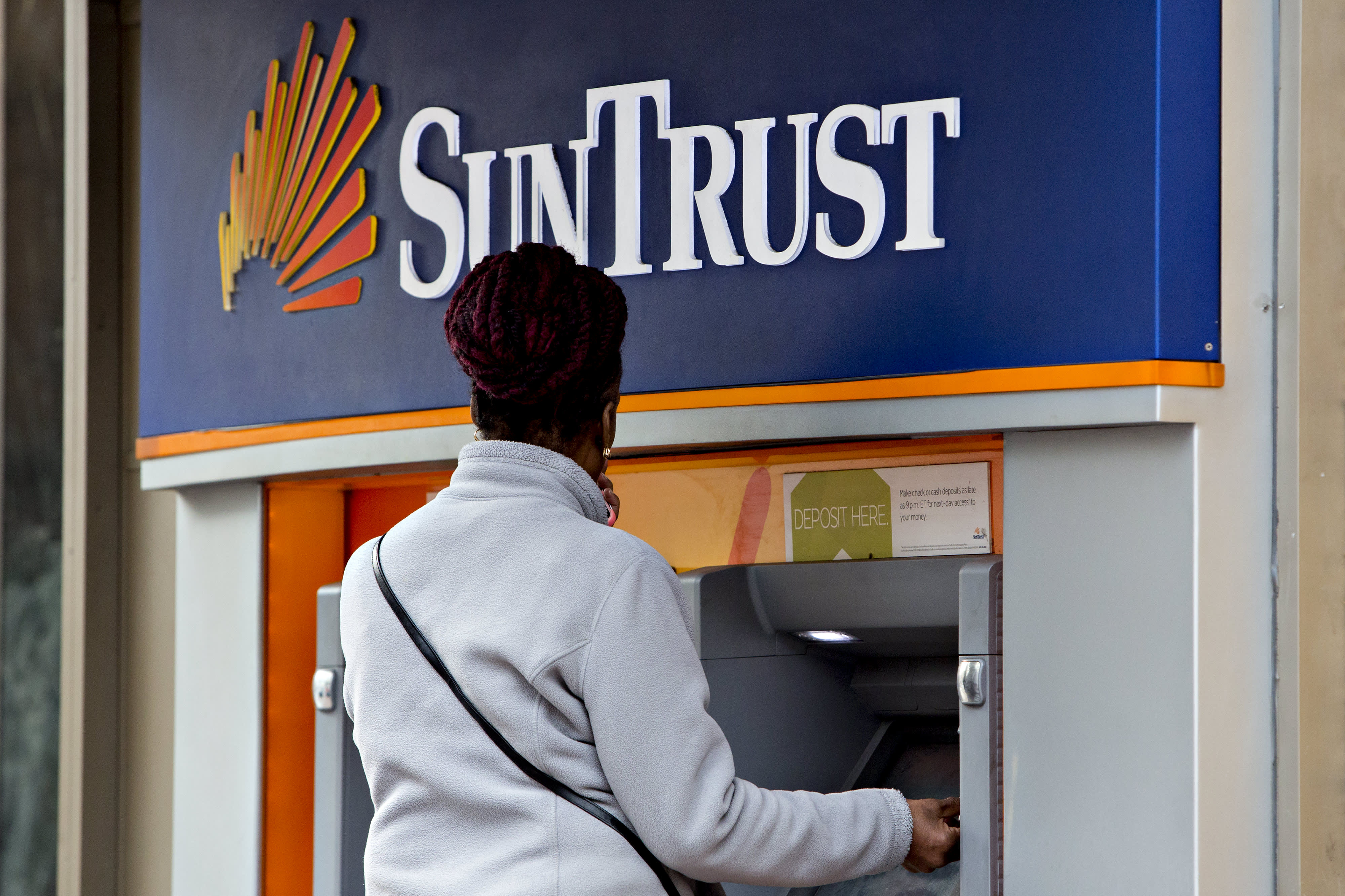 BB&T and Suntrust to combine in an all-stock merger of $66