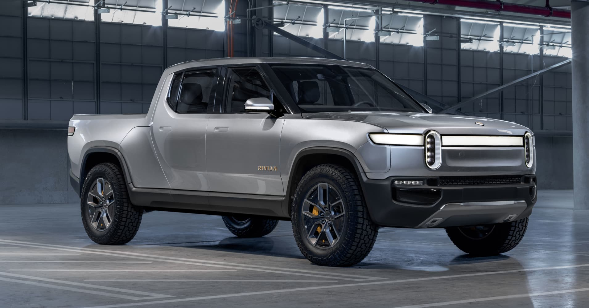 New Ford Truck >> Ford Is Investing 500 Million In Electric Truck Maker Rivian