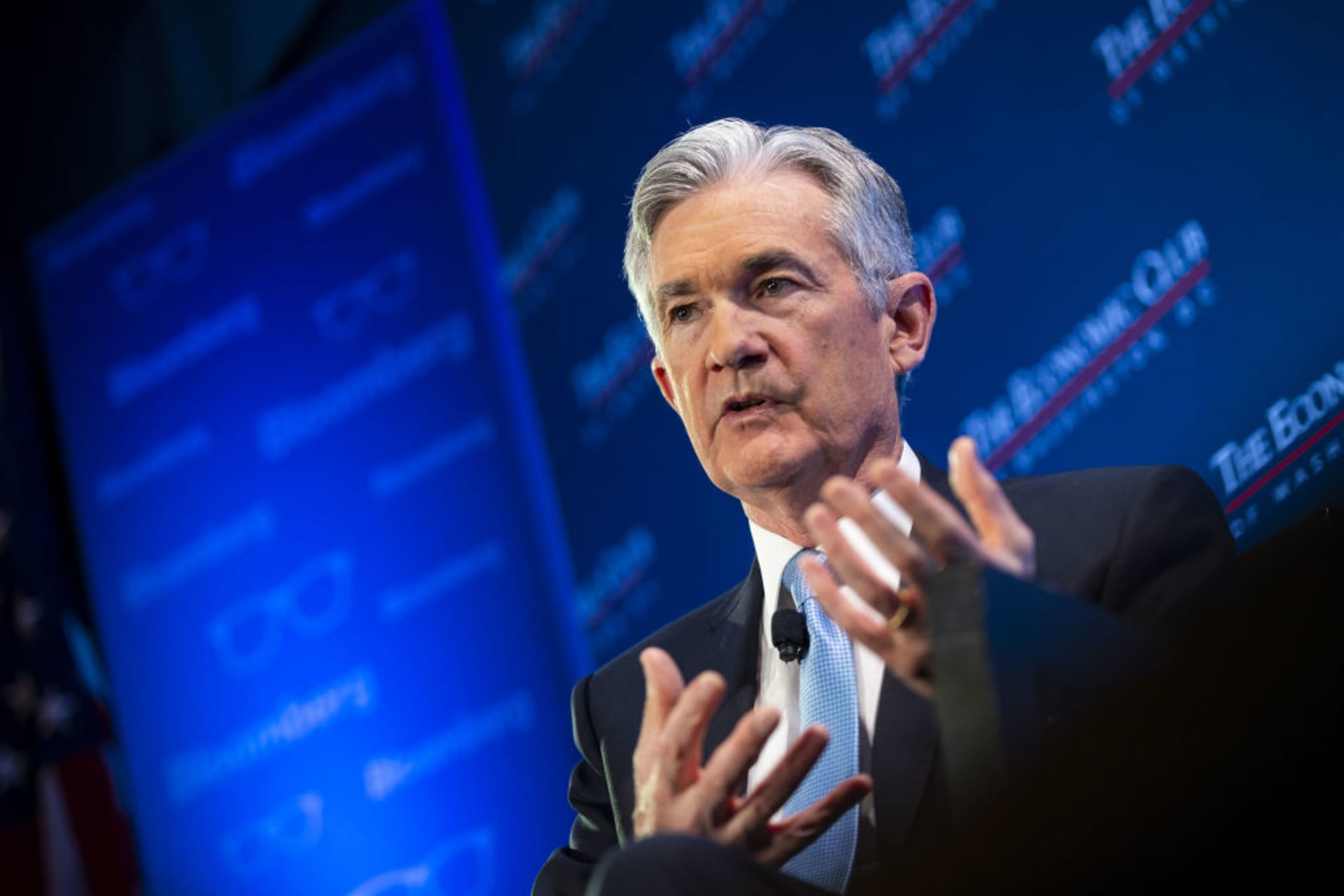Fed sees balance sheet reduction ending, notes 'risks and uncertainties'