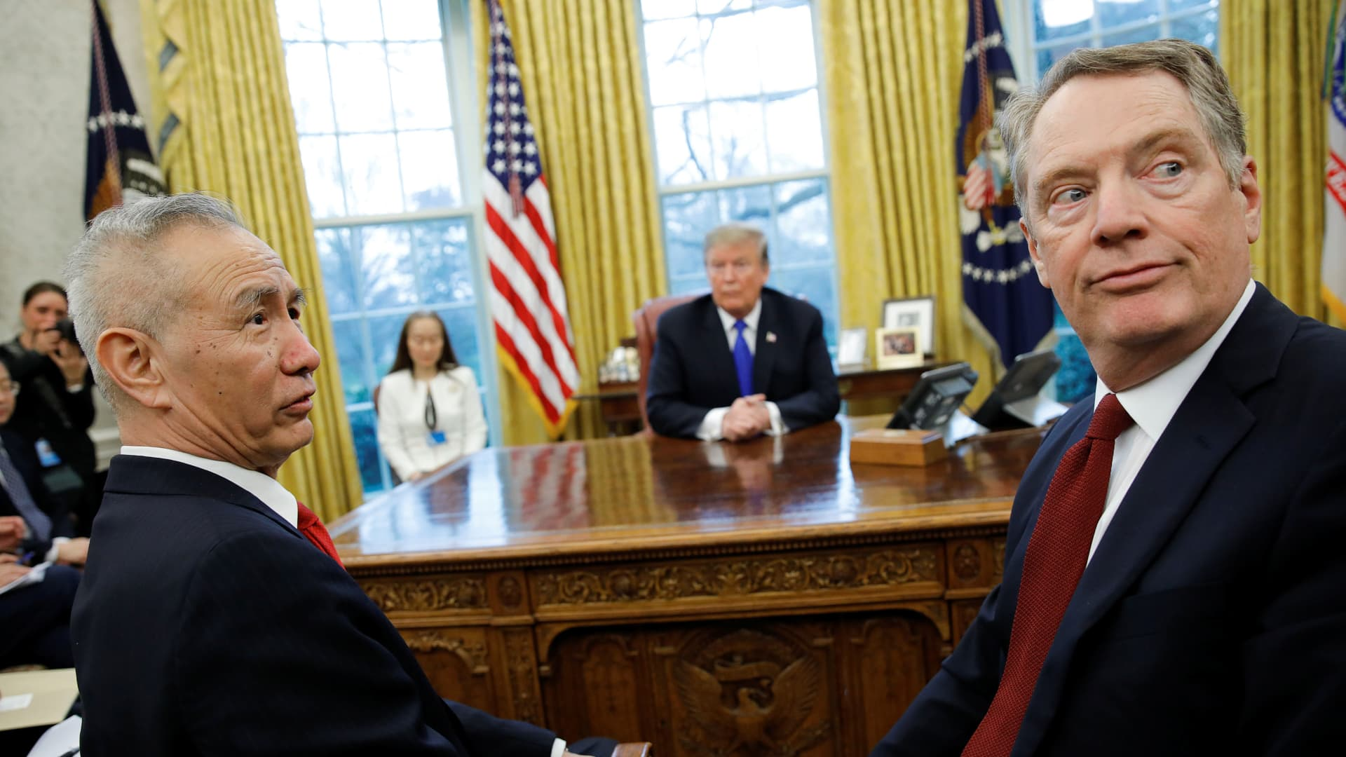China's Vice Premier Liu He turns with U.S. Trade Representative Robert Lighthizer during a meeting with U.S. President Donald Trump in the Oval Office at the White House in Washington, February 22, 2019.
