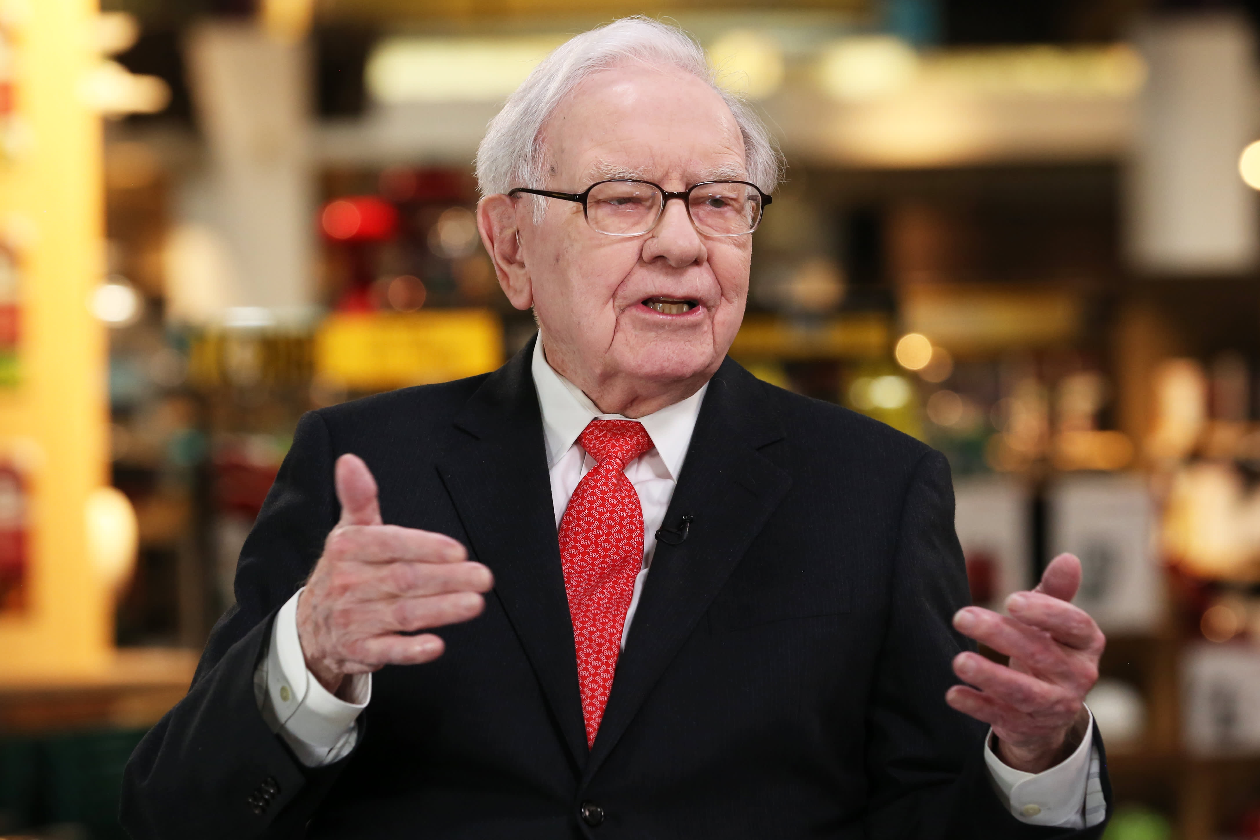 Buffett says Berkshire is sticking with Apple and he's pleased with latest earnings report
