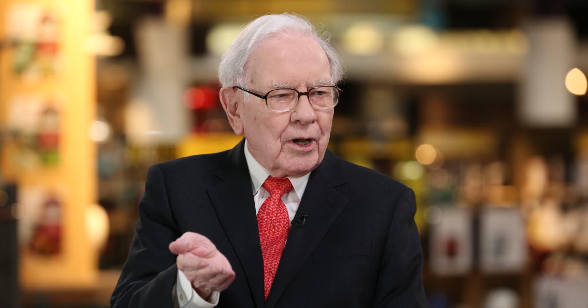 Watch CNBC's full interview with Warren Buffett at Berkshire Hathaway's  investor event