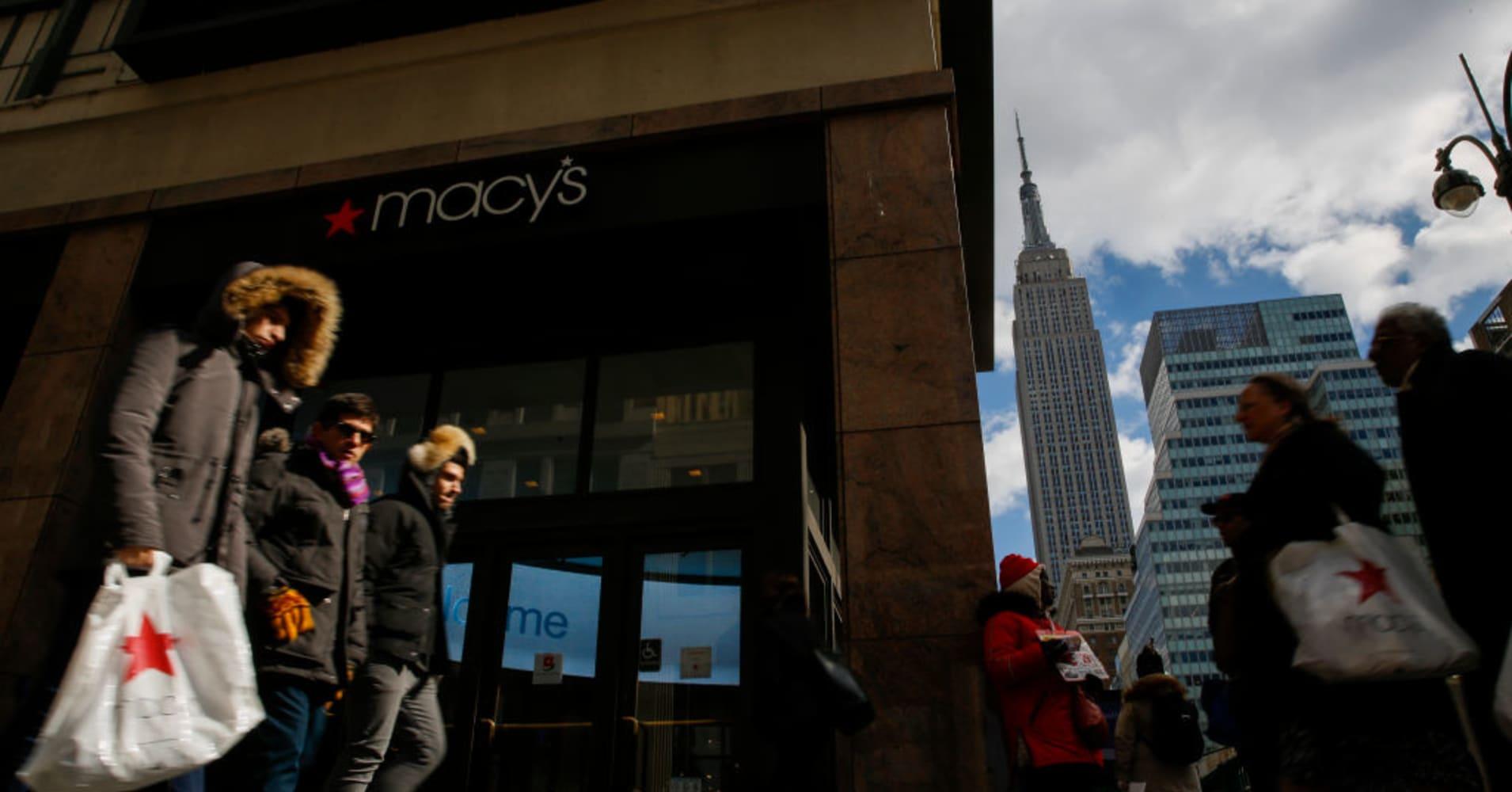 Macy's reports EPS, revenue Q4 beat despite December slowdown