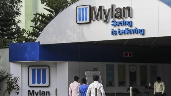 Mylan quarterly profit, 2019 forecast miss Wall Street