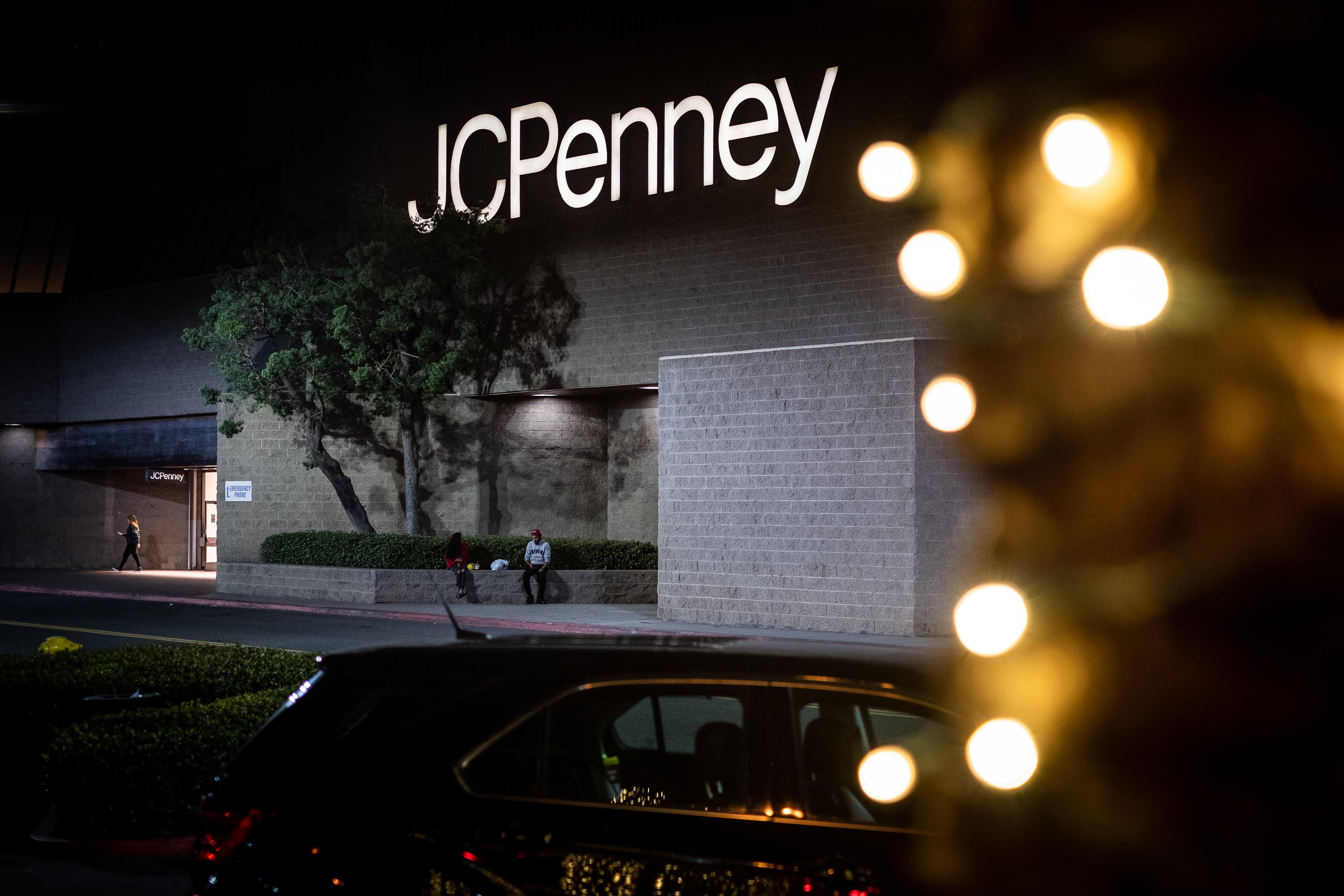 JC Penney yanks earnings outlook because of coronavirus