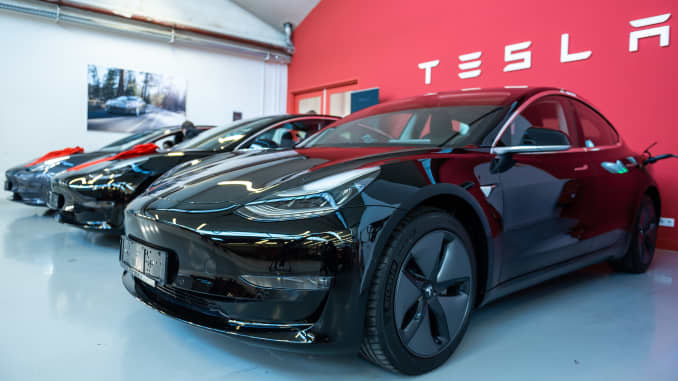Tesla scrutinized by the NHTSA over Model 3 safety claims