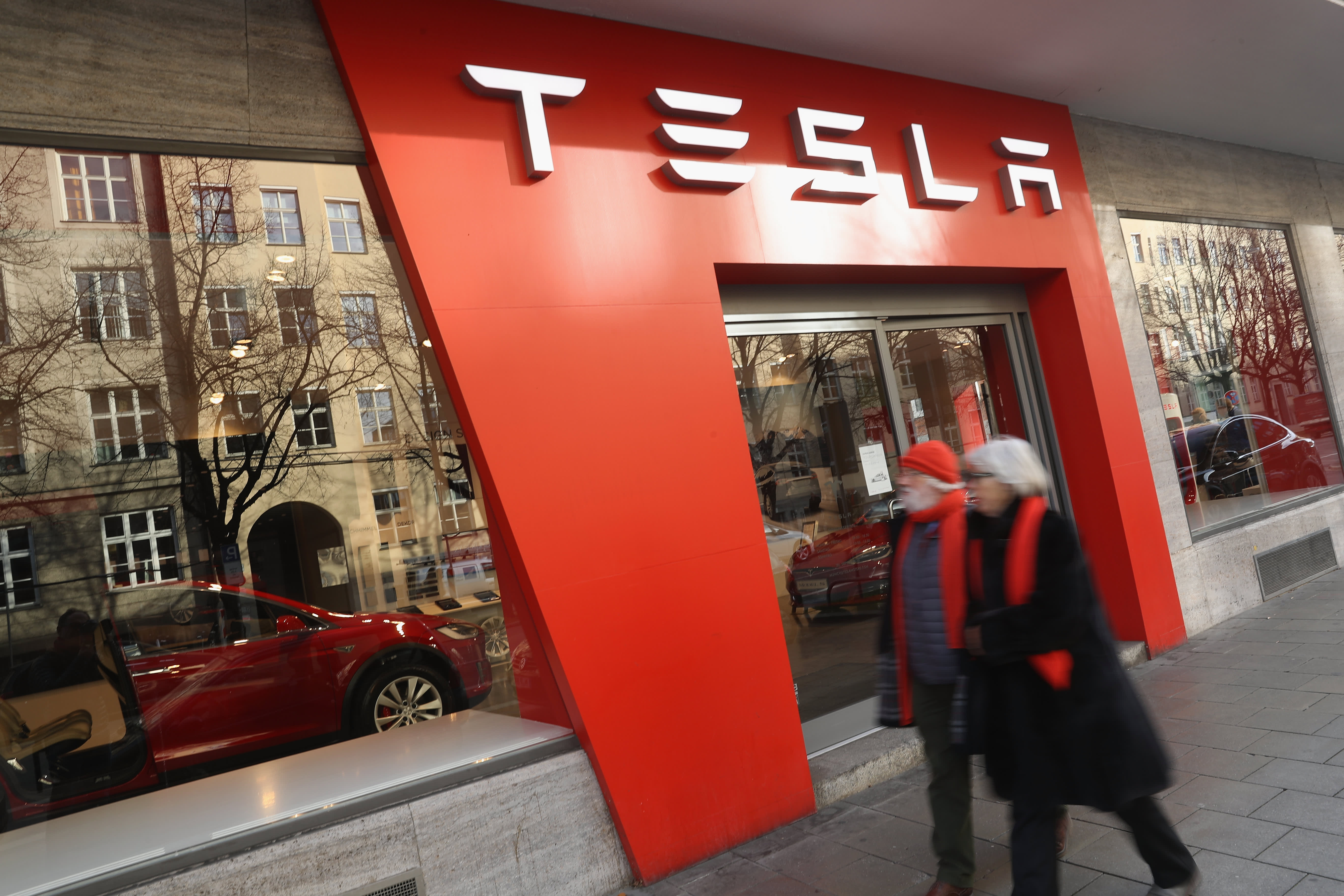 Top tech analyst says electric vehicles from Jaguar and Audi are stealing market share from Tesla