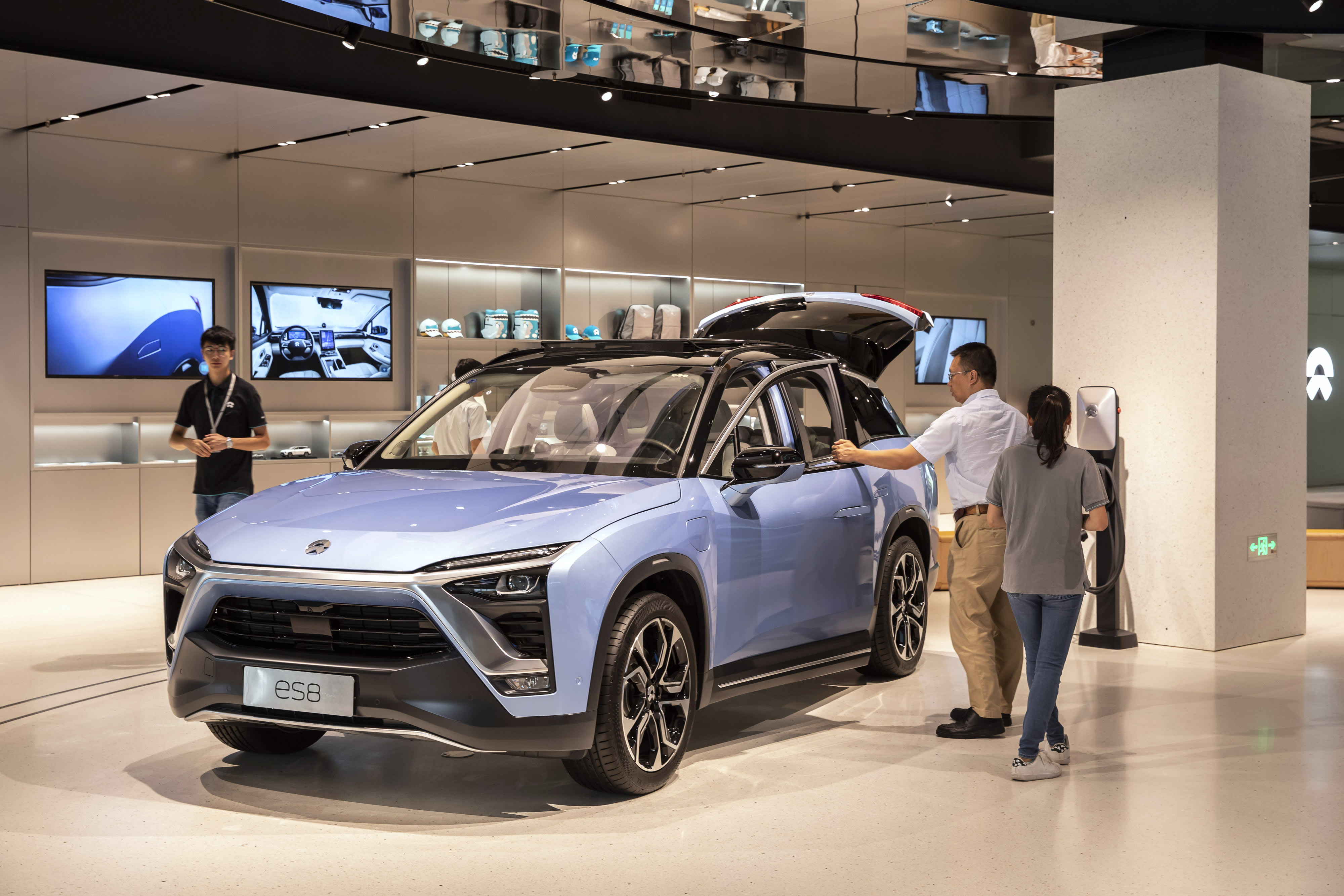 China Tesla Rival Nio Is Up 240 This Year Revamping Plans To Go Global