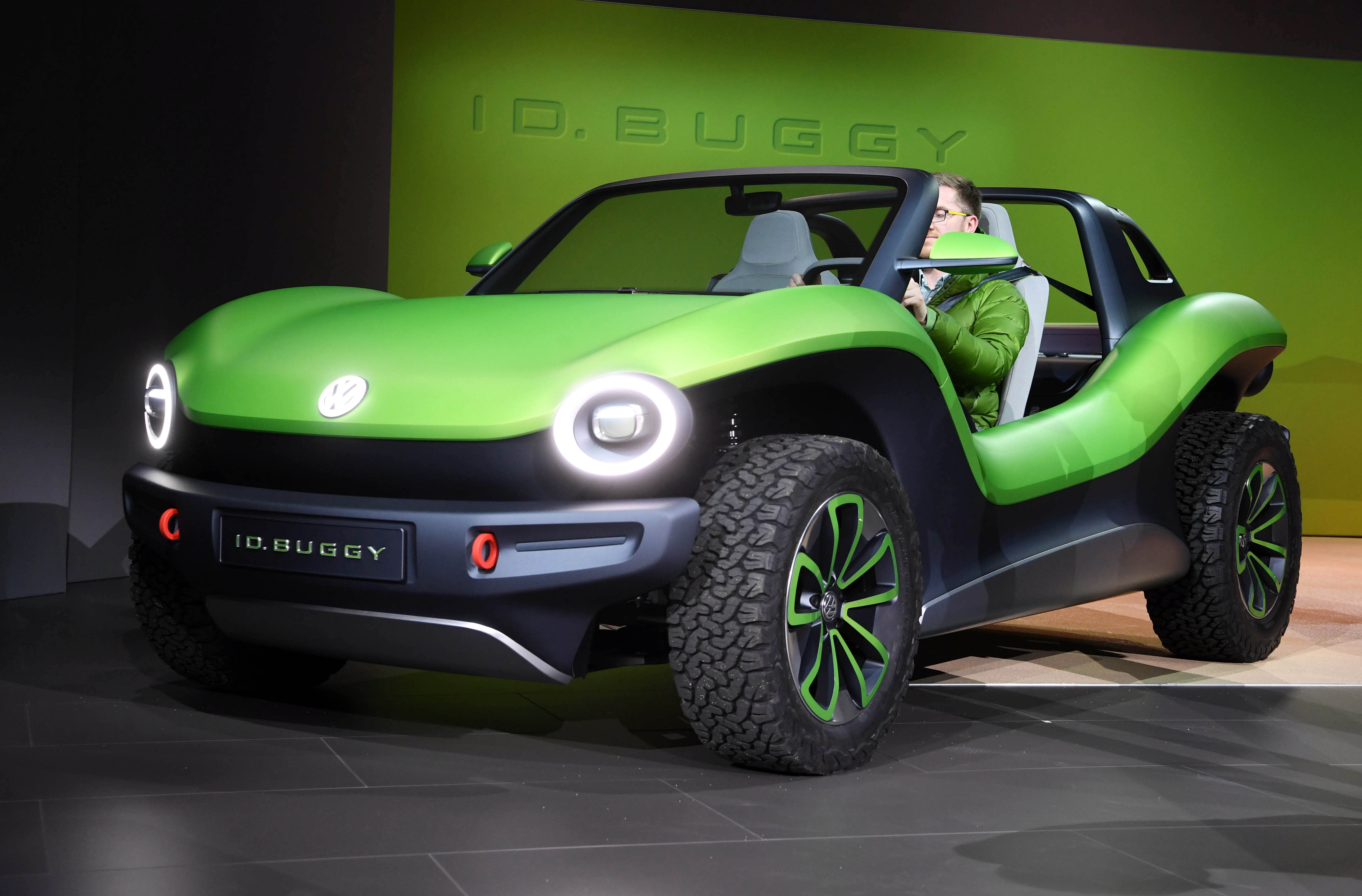 Vw Id Dune Buggy Unveiled At Geneva Motor Show Is All Electric