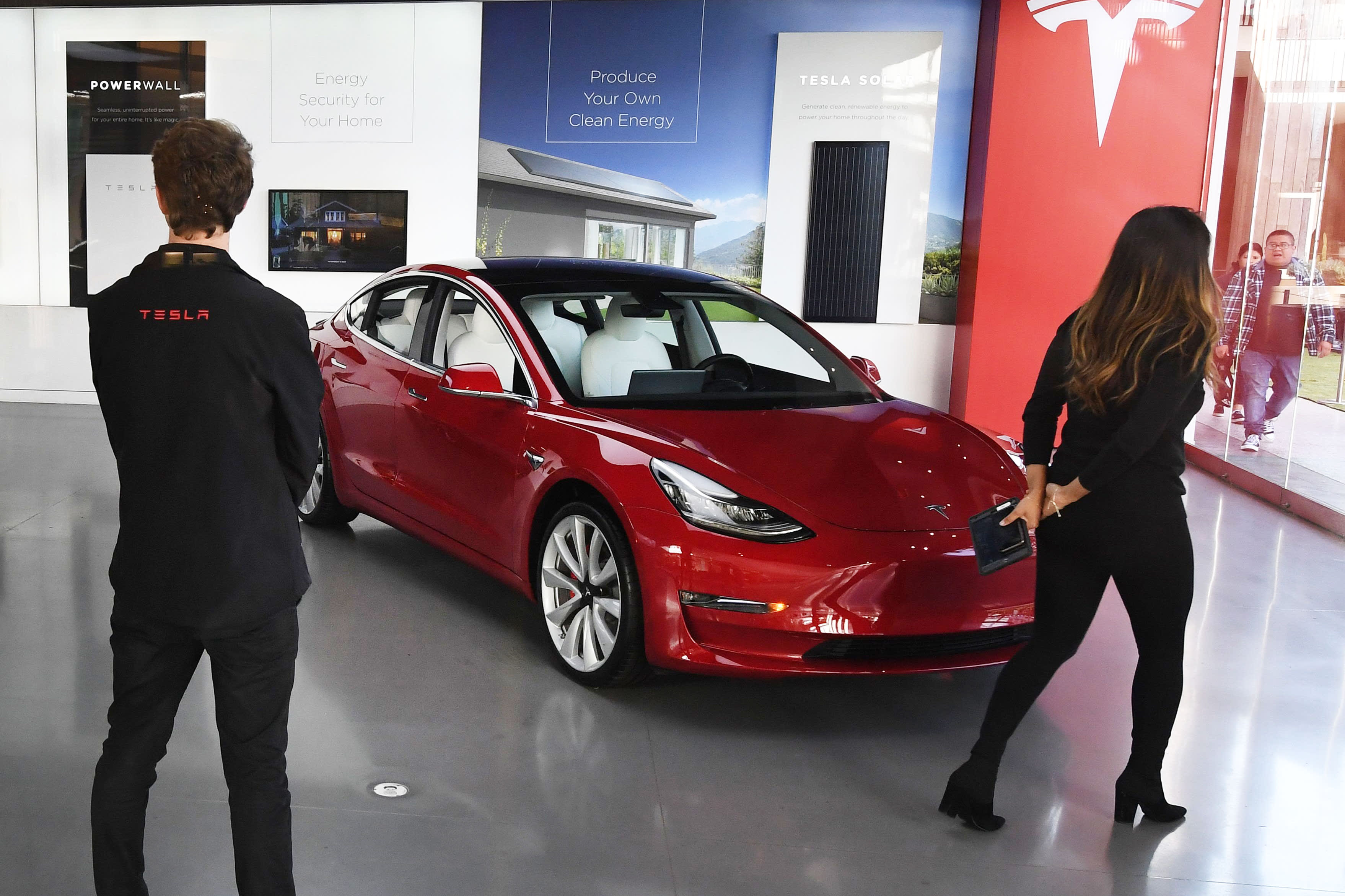 Tesla's parabolic trading may be a warning about a broader stock market sell-off