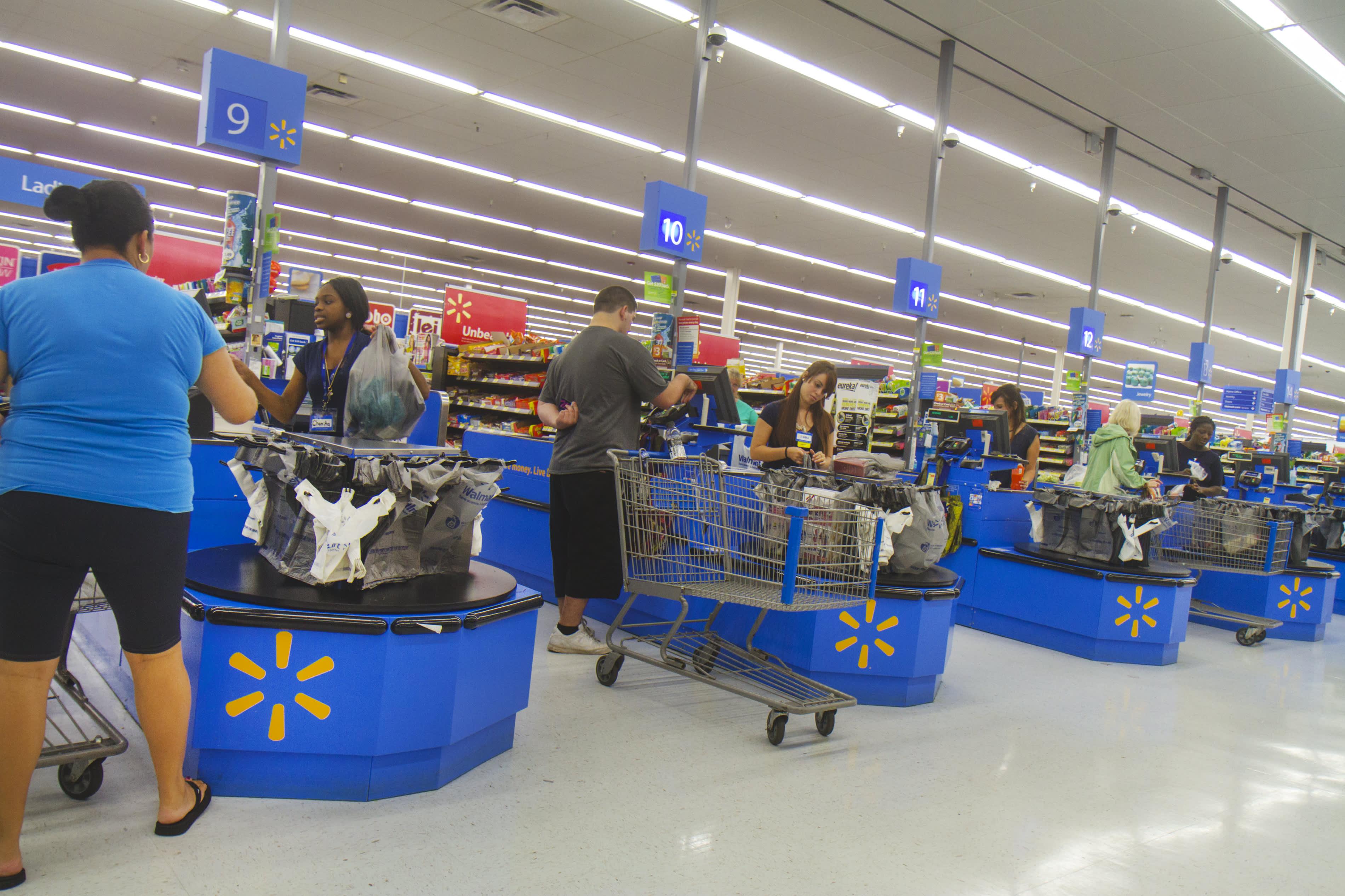 Walmart nimble, thinks like a digital company: Analyst