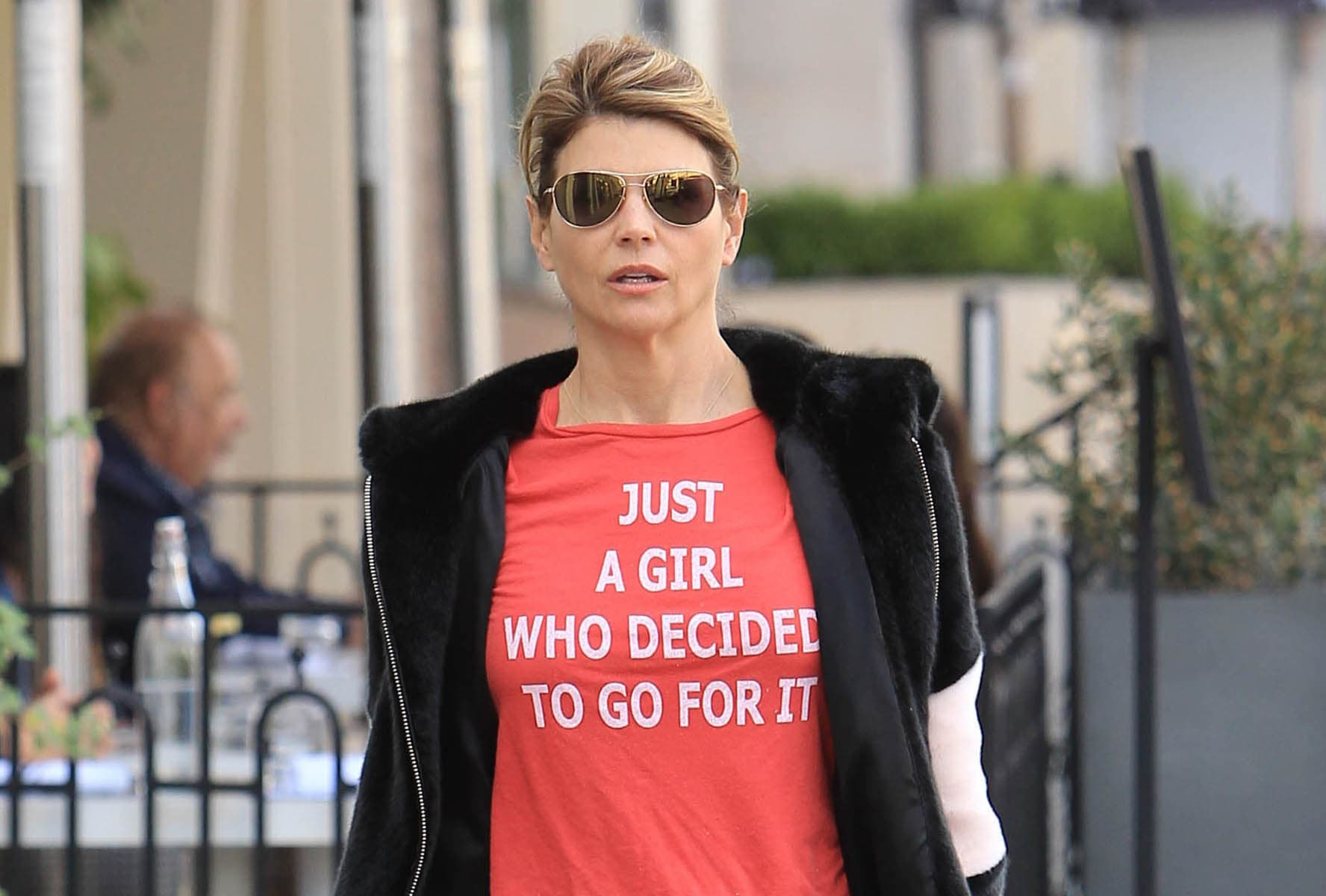 Lori Loughlin S Kids Remain Enrolled In Usc Amid Bribe Scandal