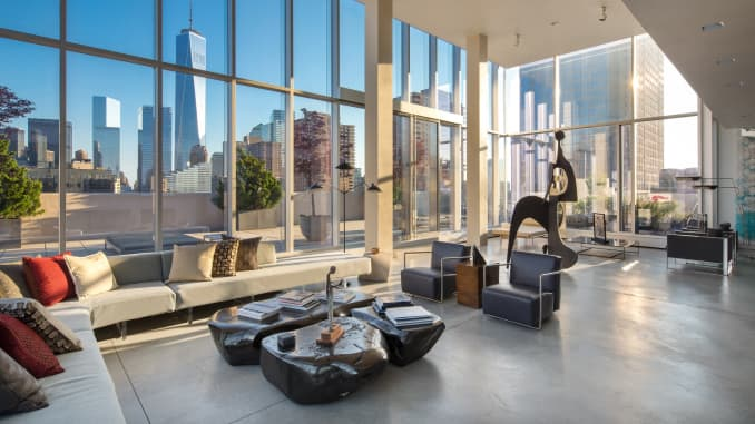 Photos Nyc Sky Lofts Glass Penthouse Axe Lives In On Billions