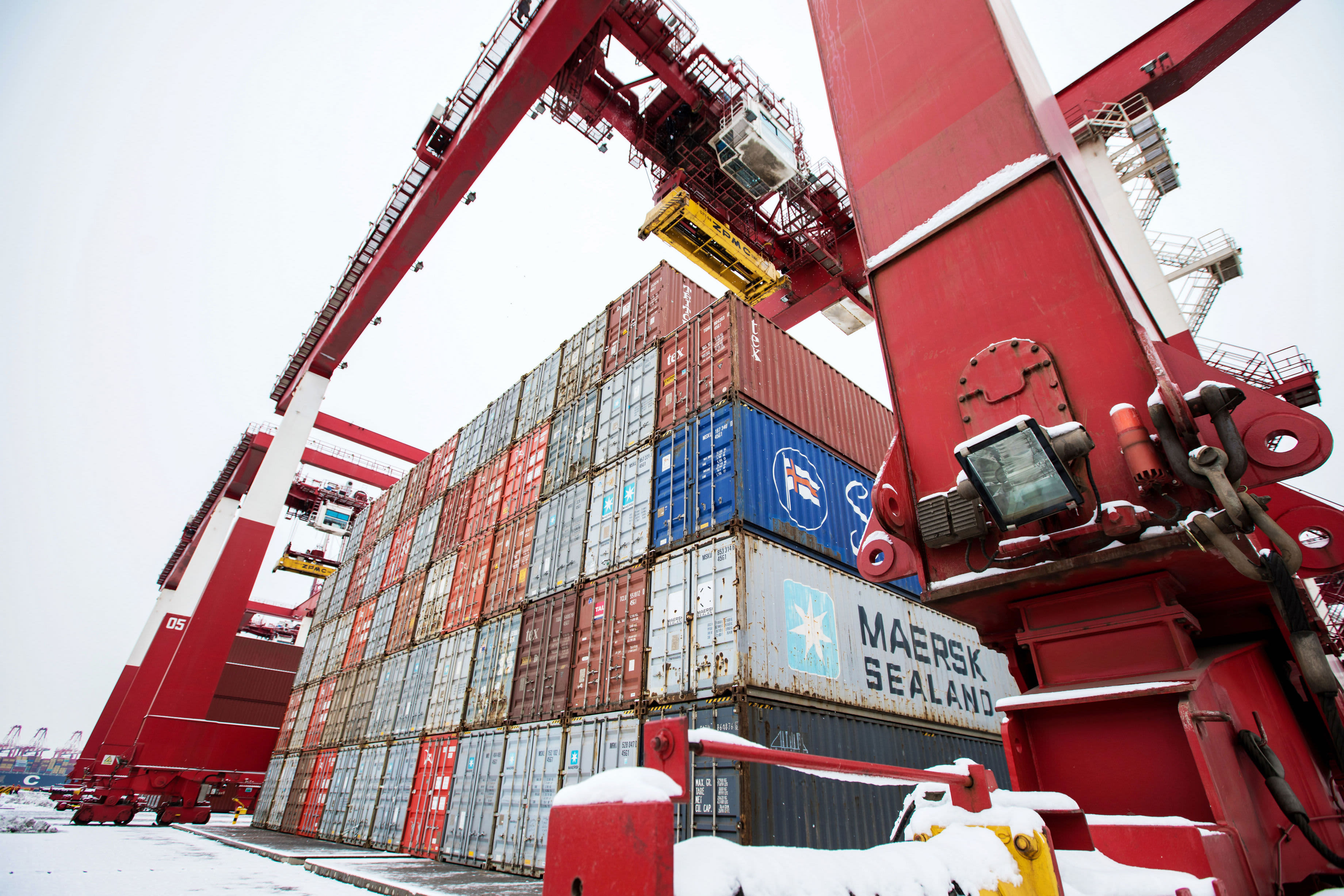 China's dollar-denominated exports and imports beat expectations in December