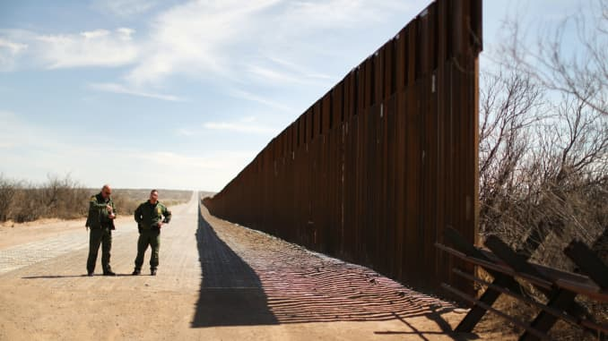 Trump Promised Pardons To Get Border Wall Built Before