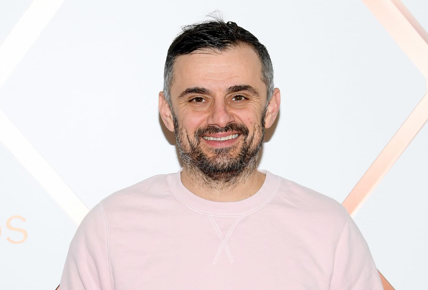 Gary Vee made millions investing early in Uber, Snapchat and cryptocurrencies. Here's how he chooses where to put his money