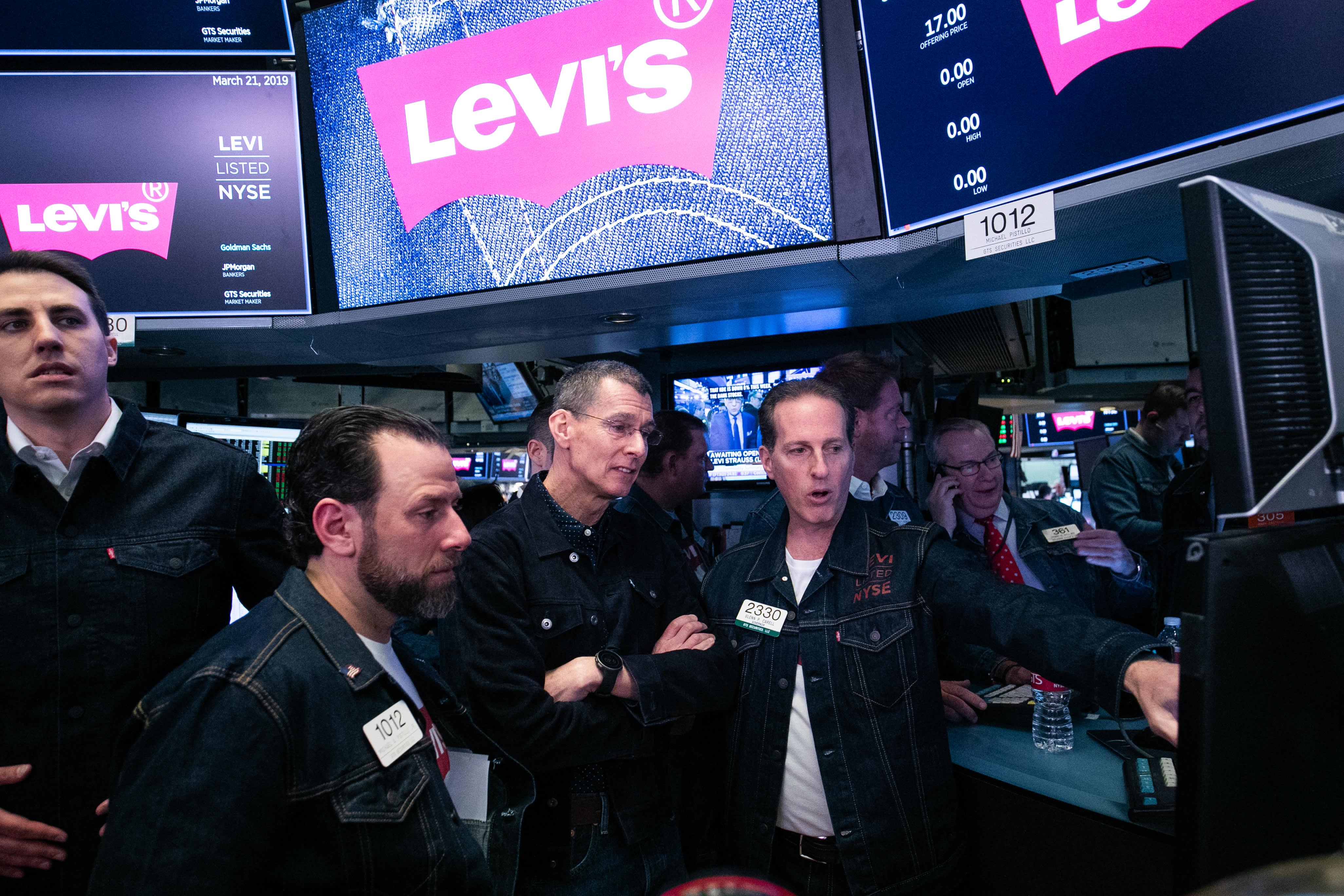 899eb74148d Stocks making the biggest moves premarket: Accenture, FedEx, Lululemon,  Office Depot & more