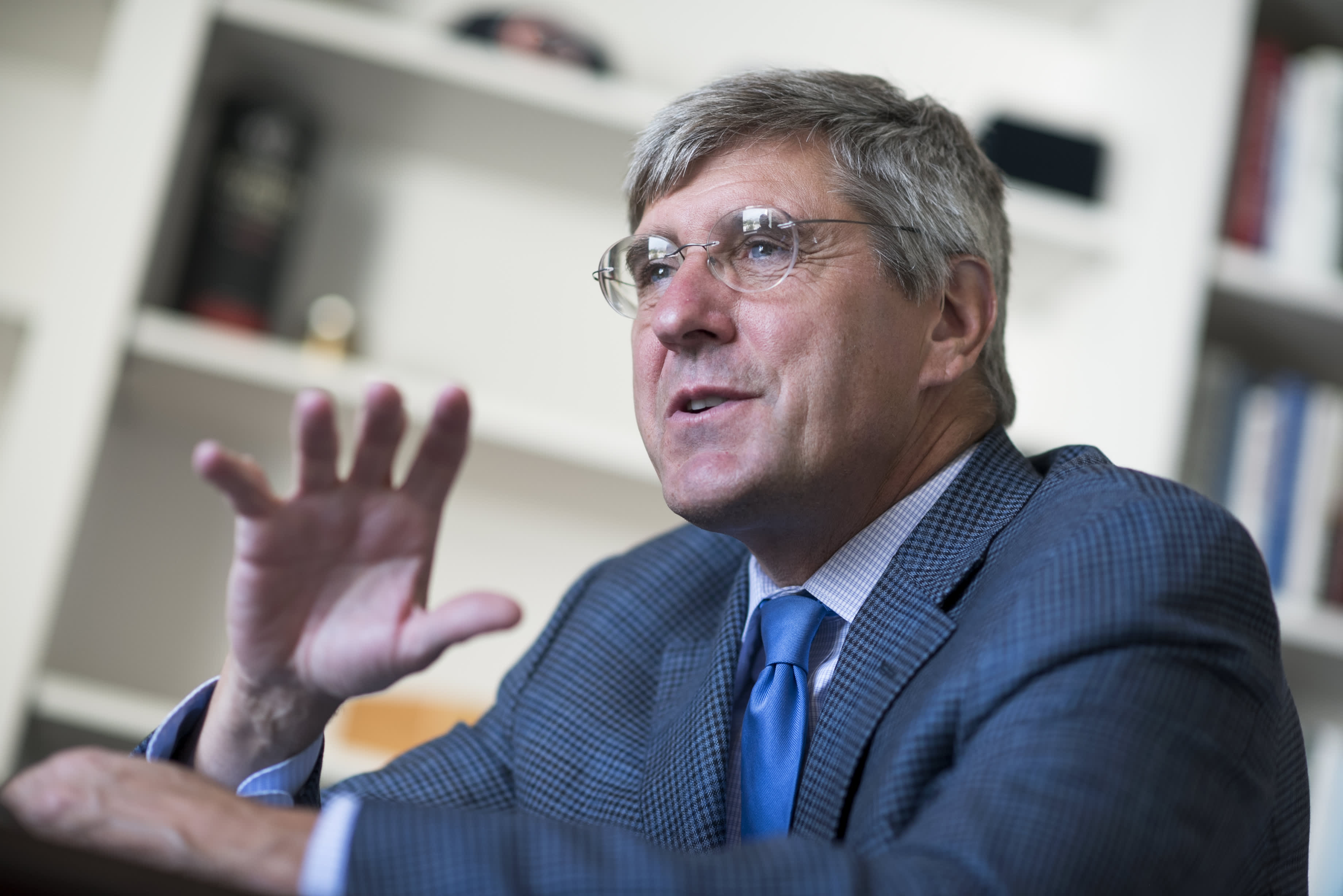 White House is 'reviewing' Trump Fed pick Stephen Moore's controversial past writings
