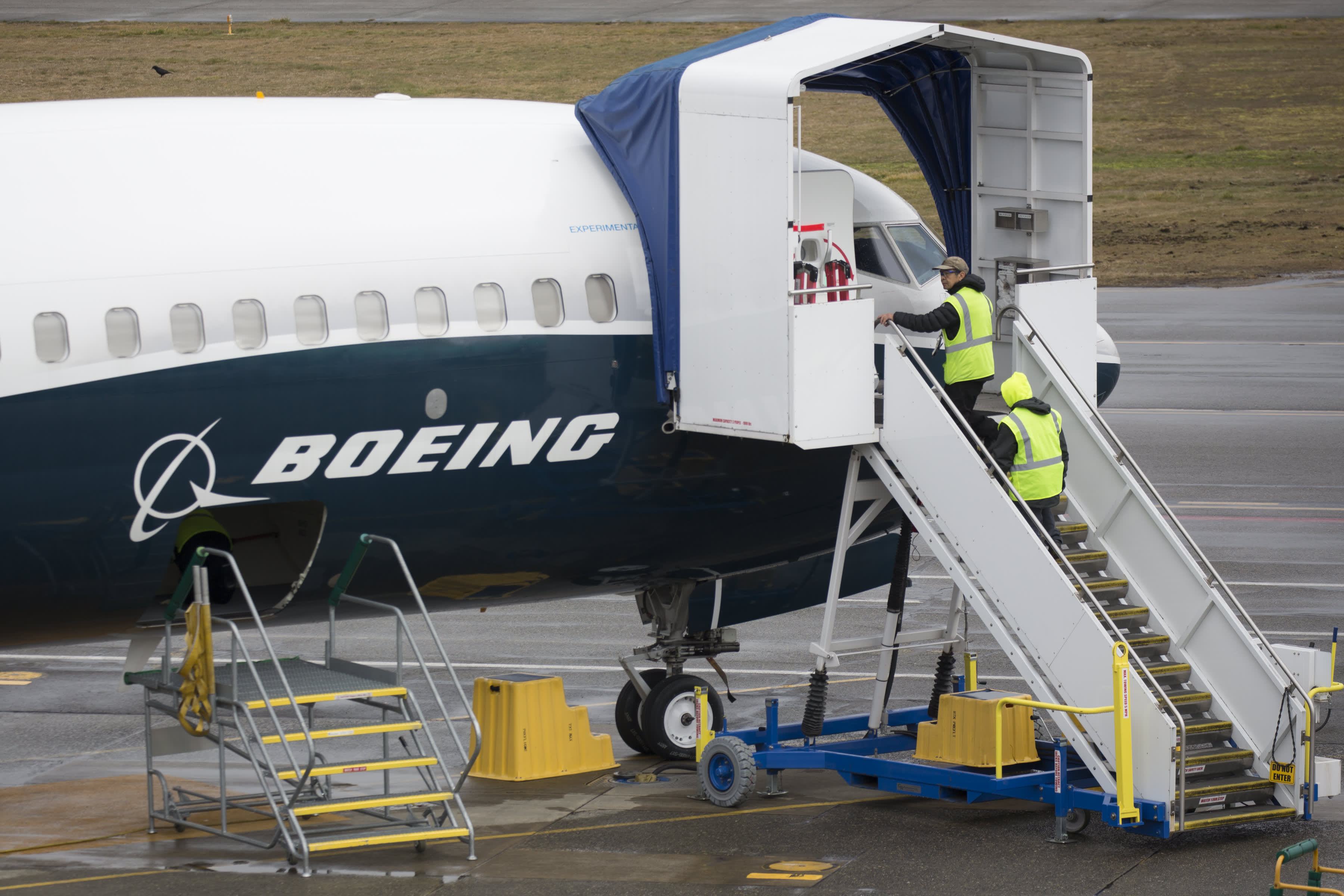 Boeing is 'a wolf in sheep's clothing,' trader warns