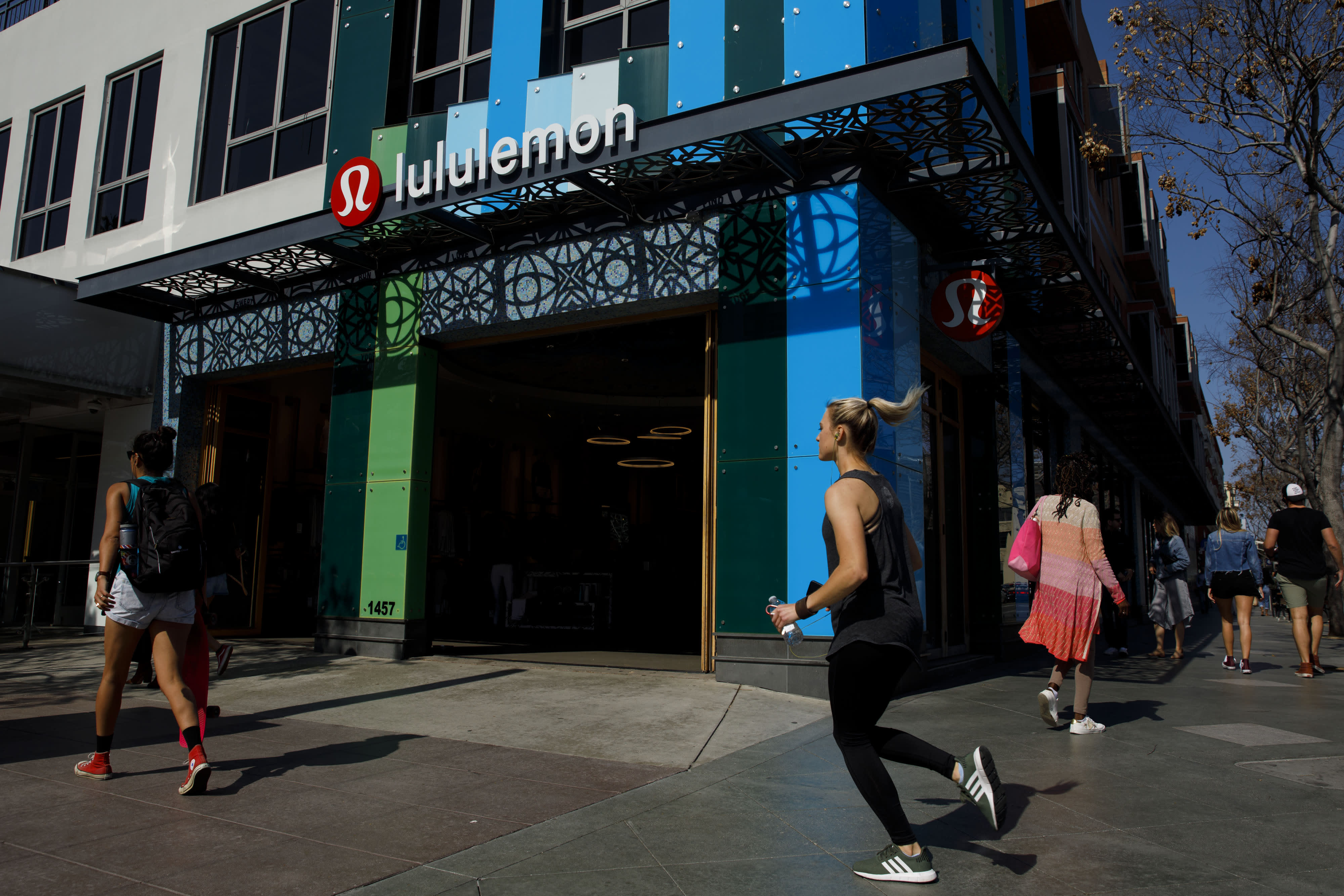Options traders are betting that Lululemon can stretch higher after earnings