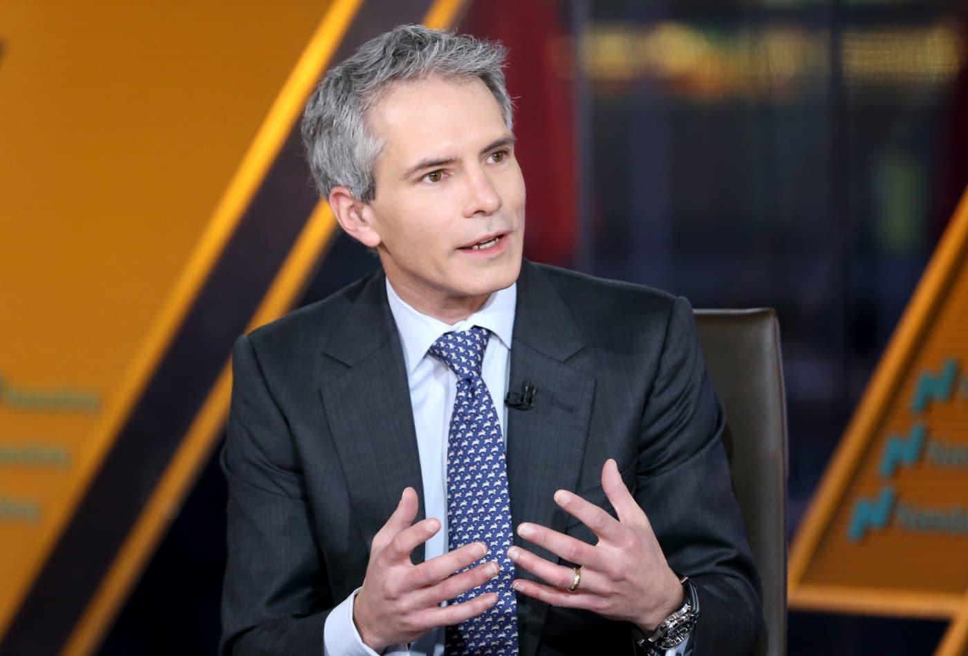 Investors should brace for multiple 5% market pullbacks, Blackstone's Joe Zidle warns