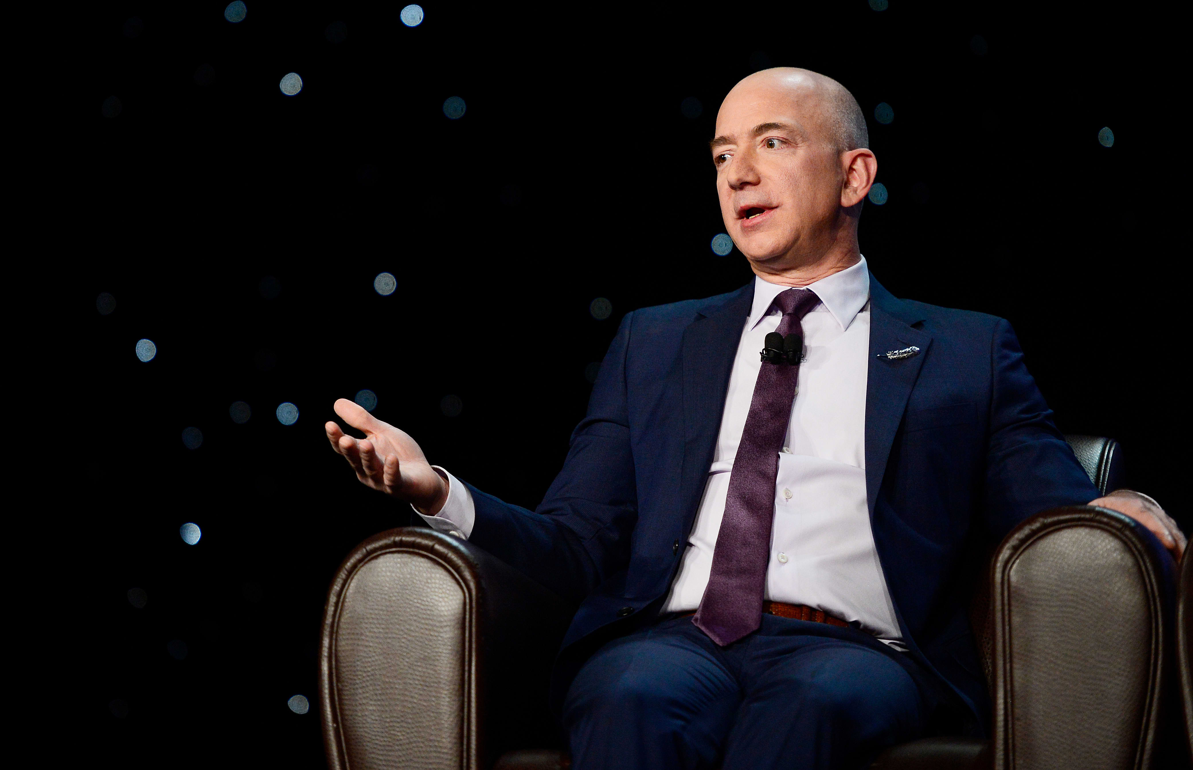 GP: Jeff Bezos Space Blue Origin 190404 EC