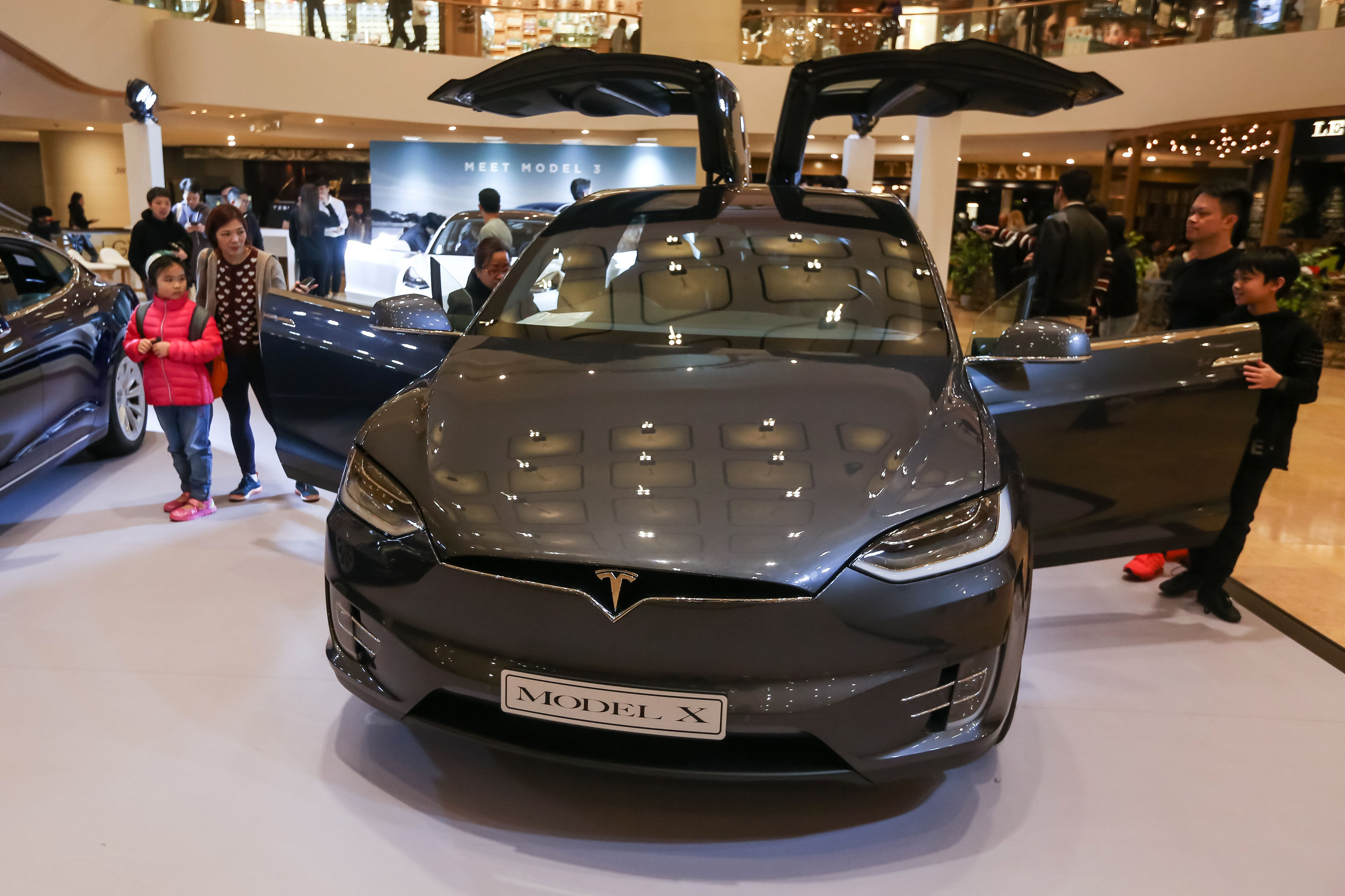 Morgan Stanley expects Tesla Model S and Model X sales to fall