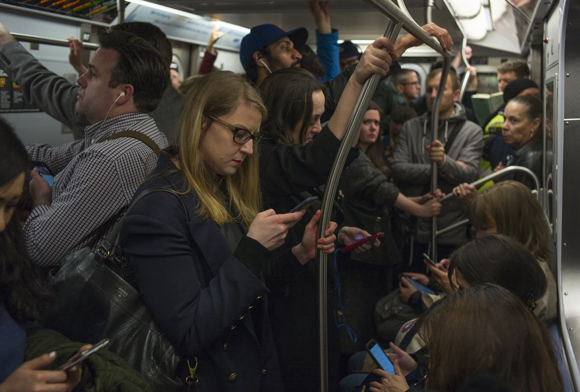 Google Maps will now help you avoid bumping into sweaty strangers on the bus