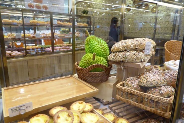 CNBC: местные фирменные блюда в аэропорту Джуэл Чанги.