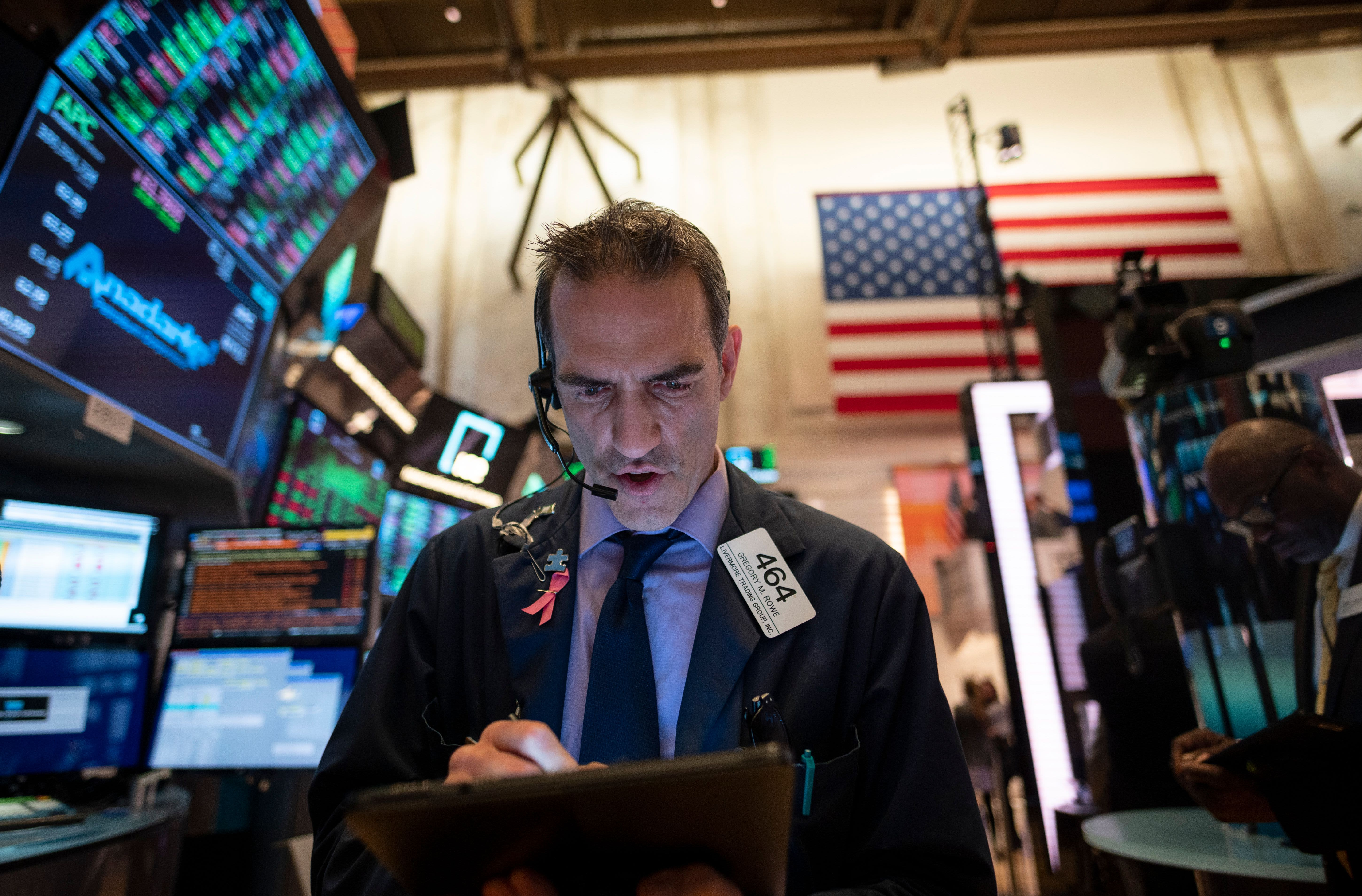 S&P 500 reaches all-time high, but gains limited ahead of big earnings