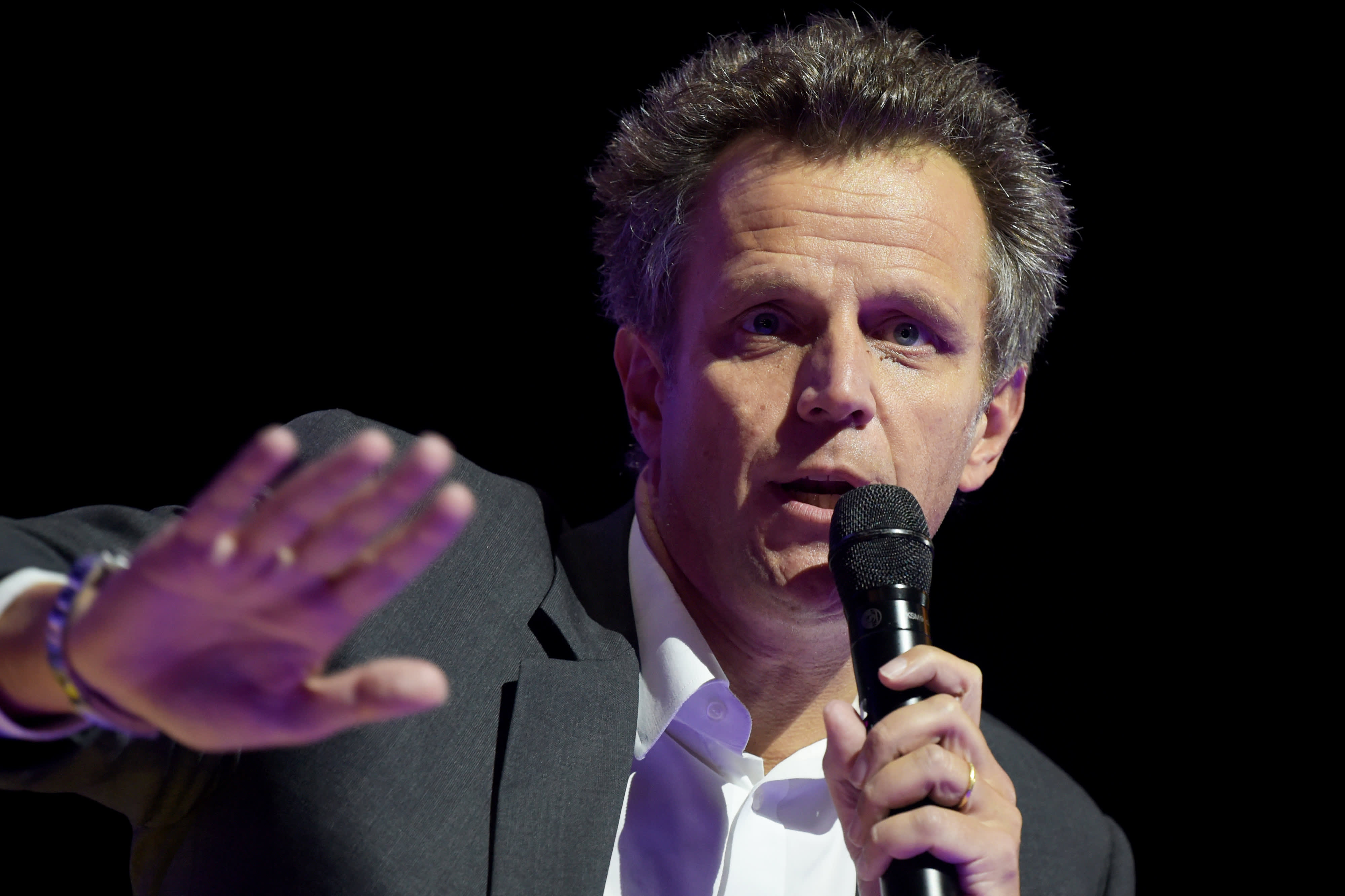 Shares of ad giant Publicis plunge after cut to revenue guidance