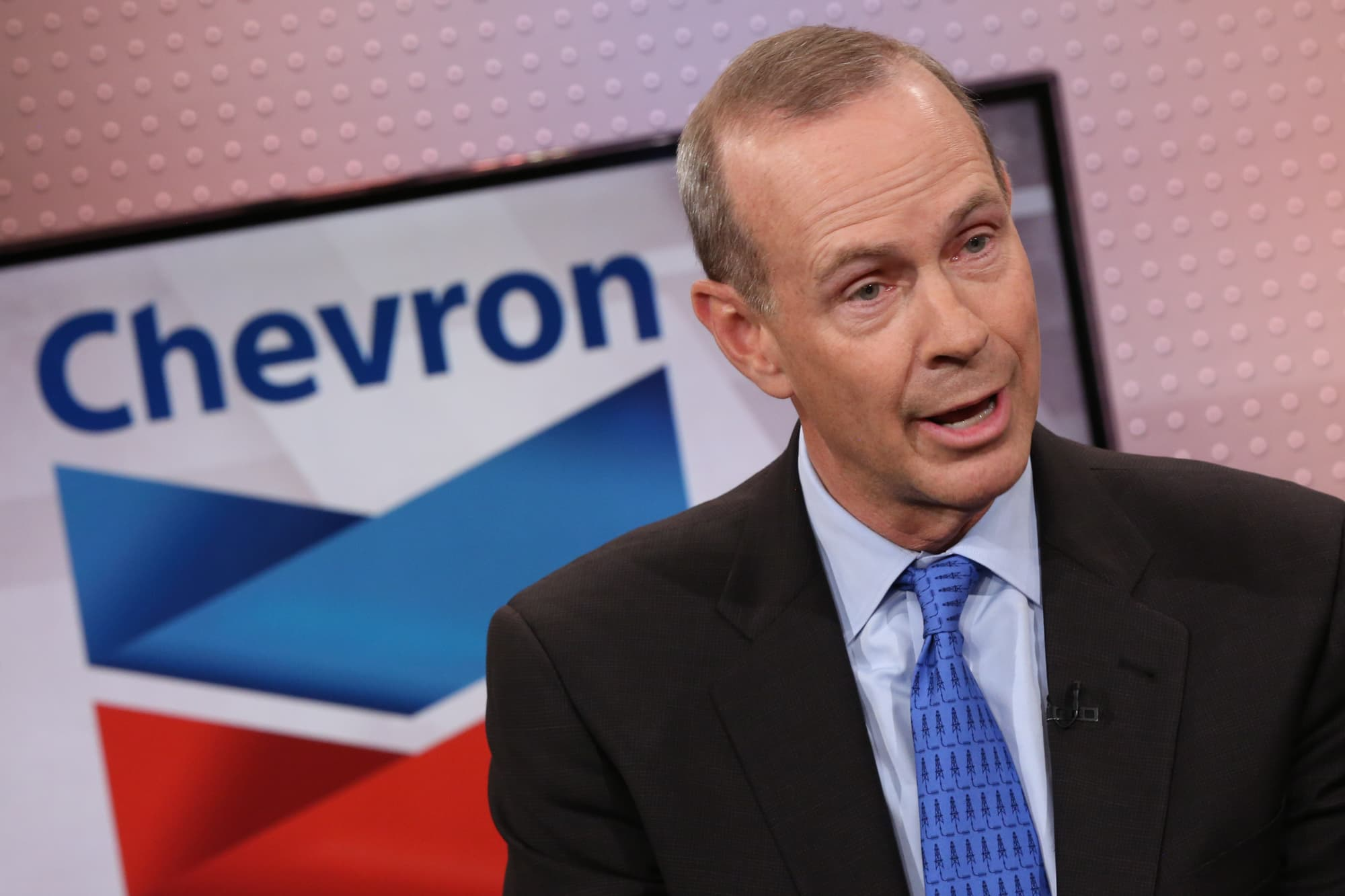 Chevron may have to sweeten offer for Anadarko after rival Occidental bid