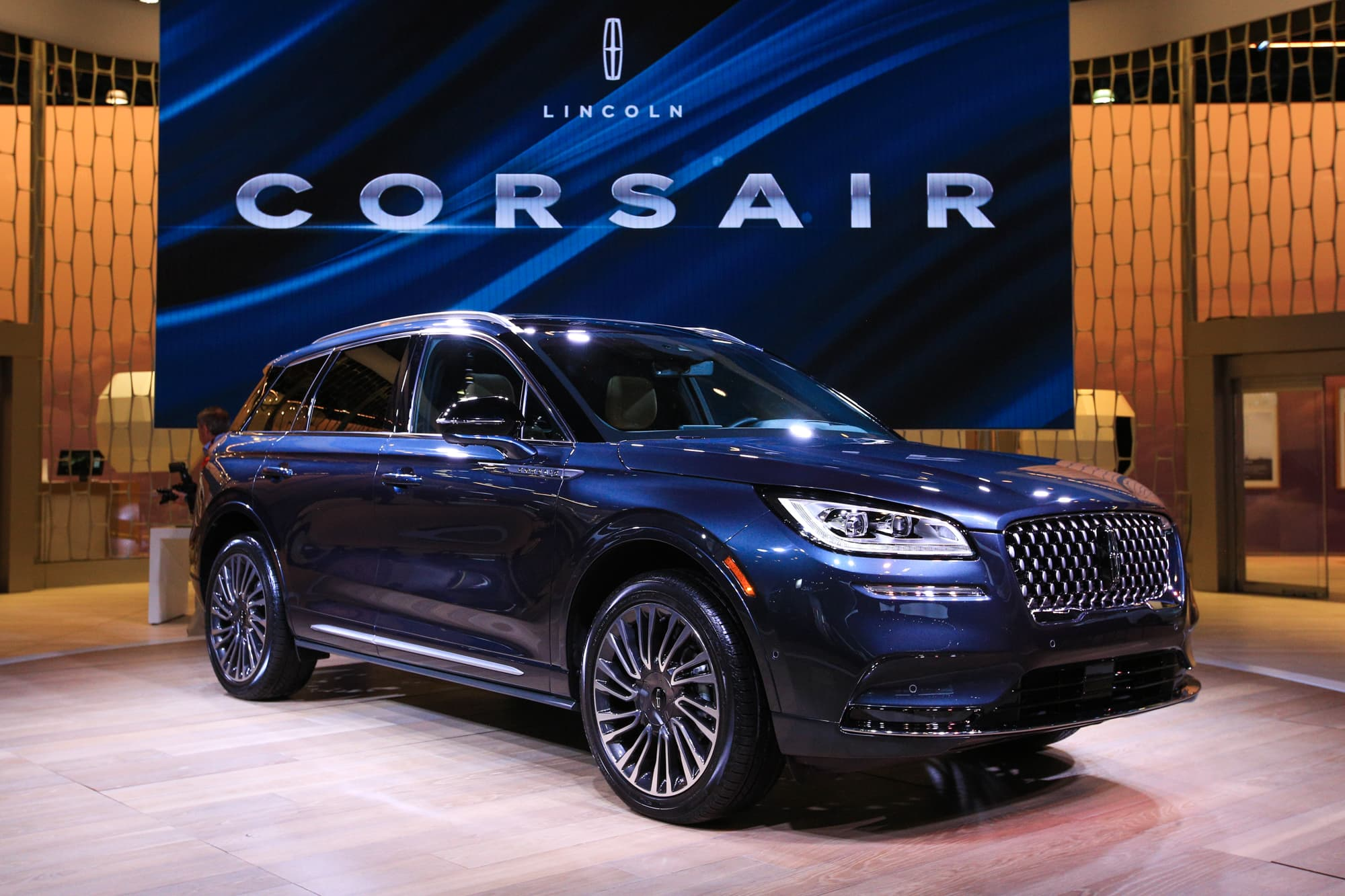 Lincoln Reveals New Corsair Suv At York Auto Show Targeting China And Fast Growing Utility Vehicle Market Us