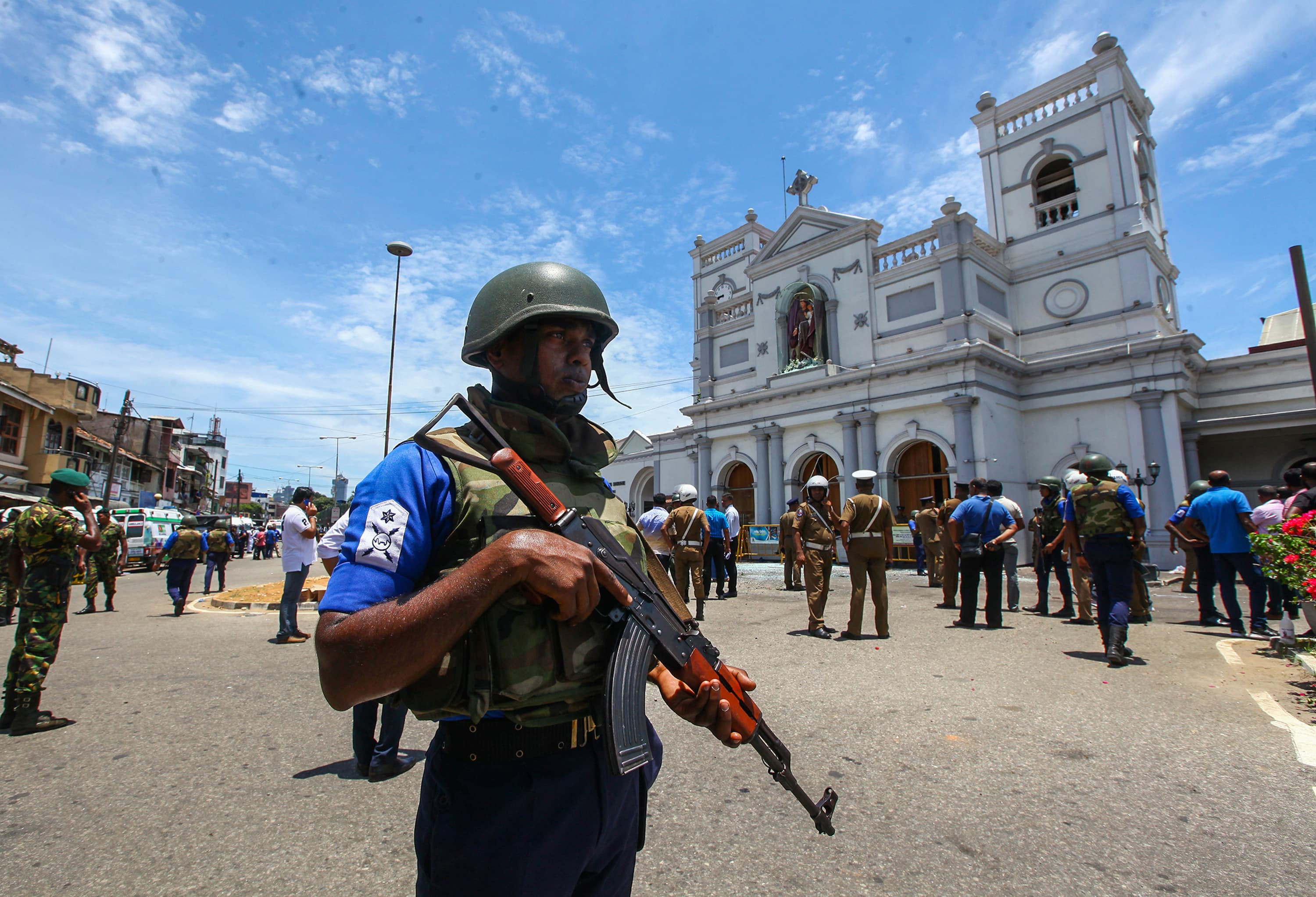 Death toll from Sri Lanka attacks rises to 290 and about 500 wounded, police say