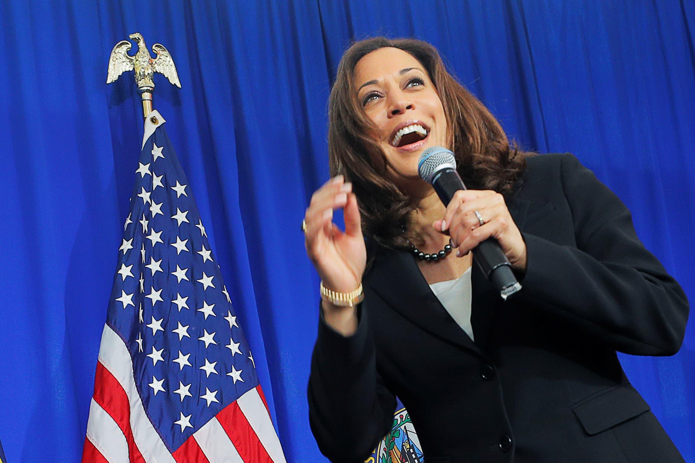 Kamala Harris Rejected Staff Push For Brady Policy In 2005 Wsj