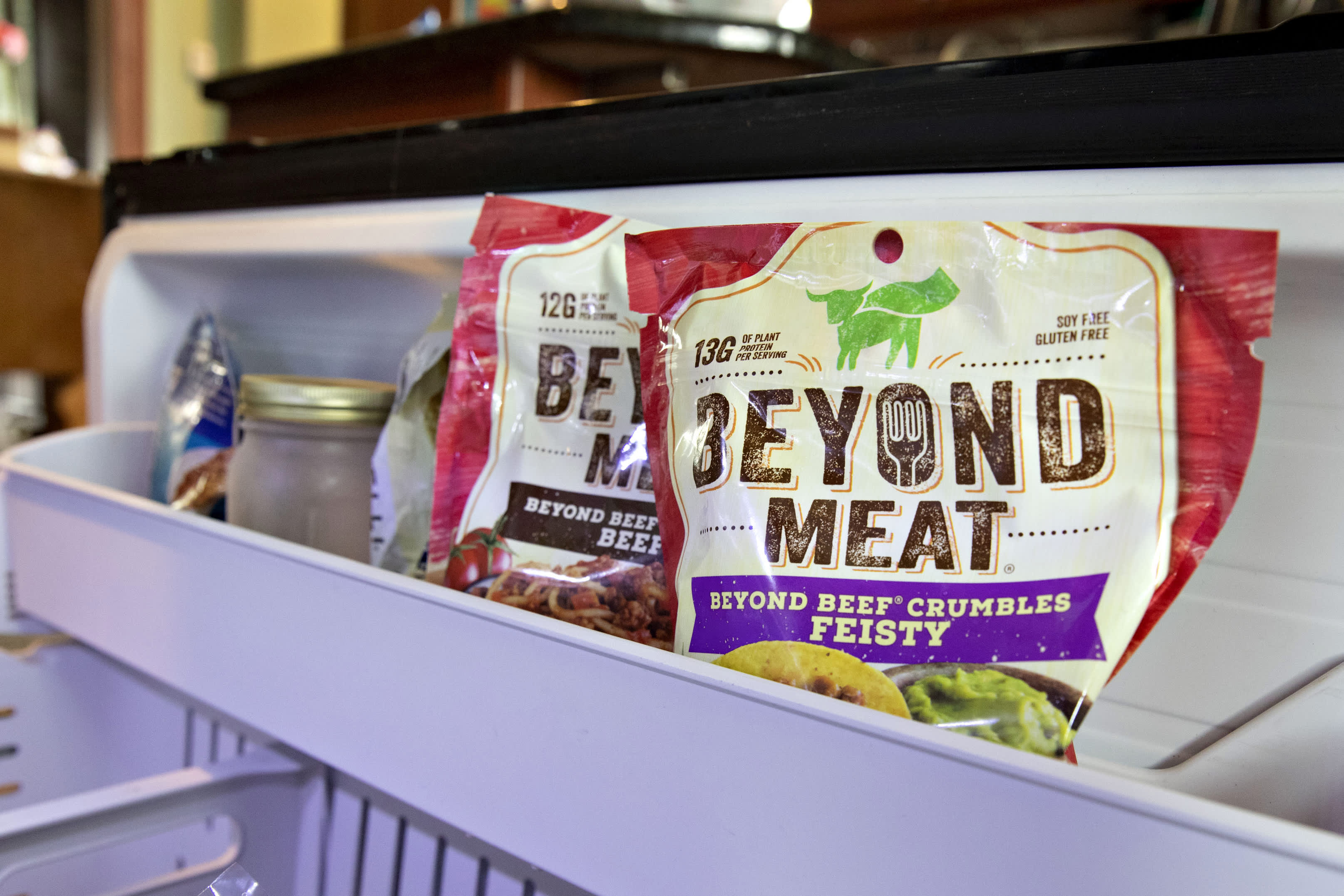 Beyond Meat posts mixed quarterly results, announces secondary share offering; stock dives