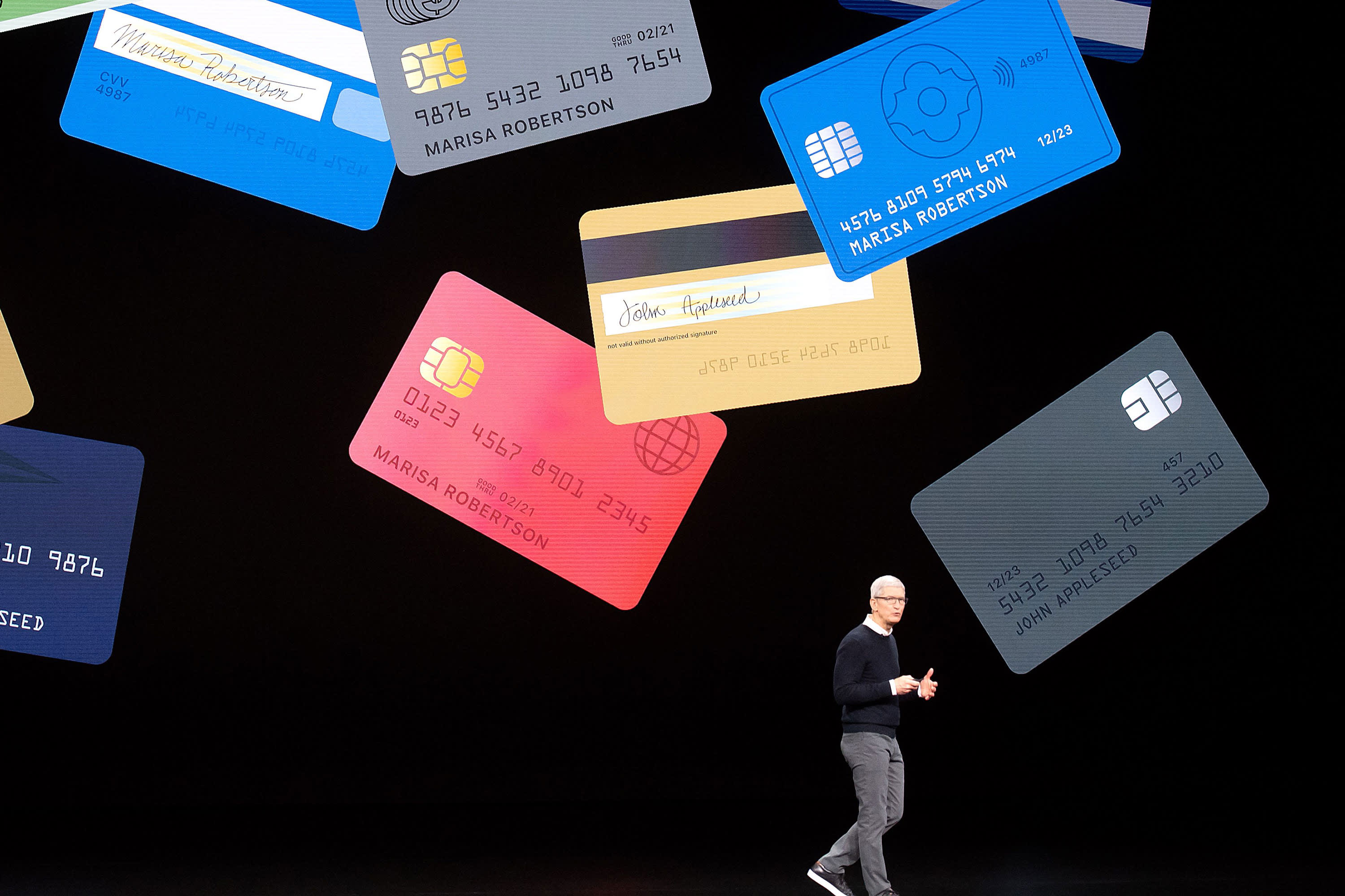 Apple Card users can now buy an iPhone in installments with no interest
