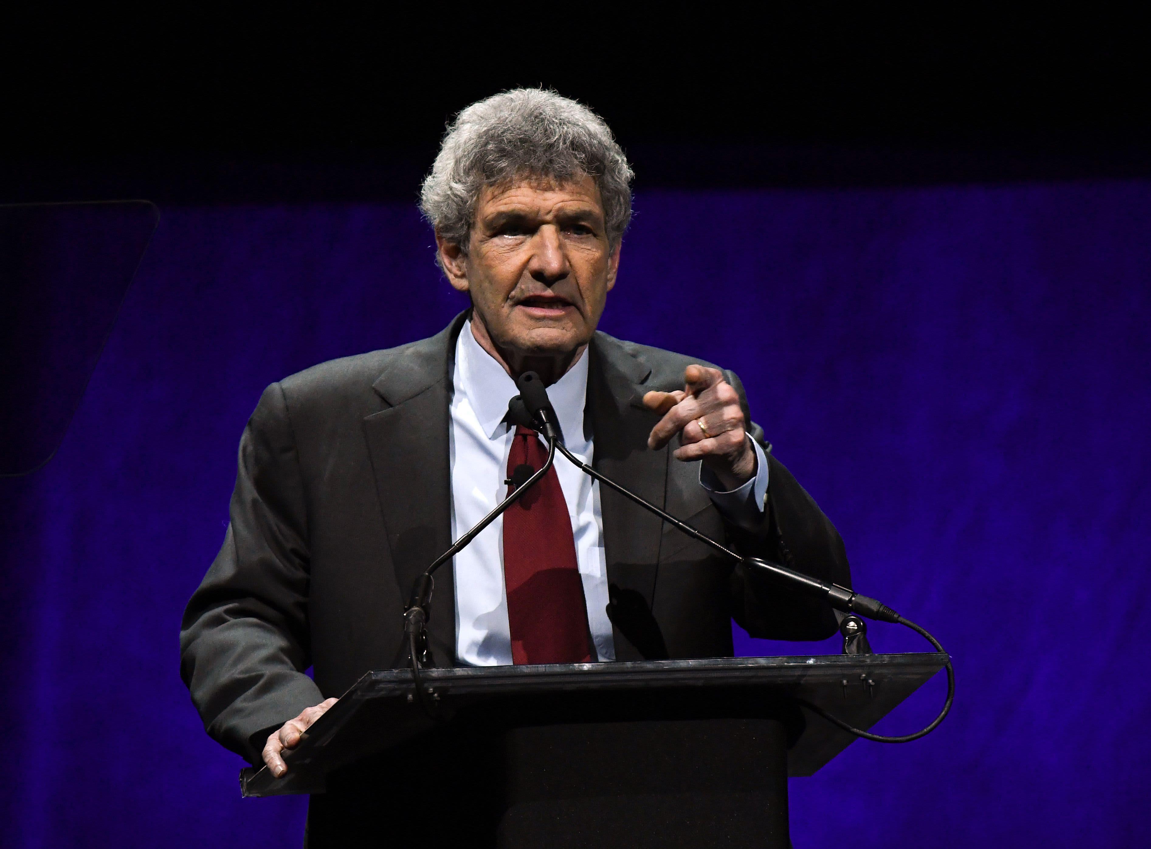 Disney Studios Chairman Alan Horn hosts fundraiser for Nancy Pelosi and House Democrats