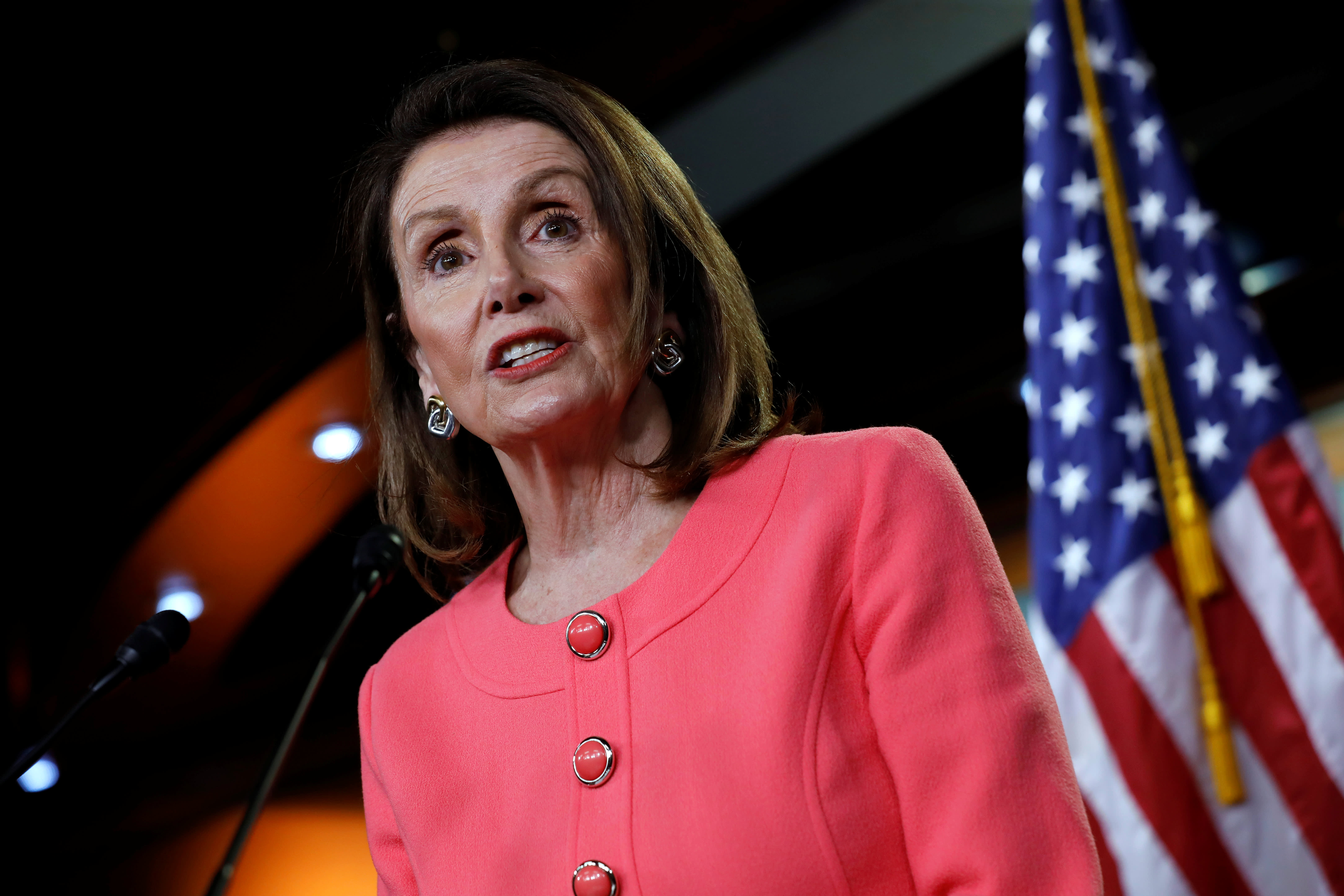 Nancy Pelosi will meet with top Trump trade official Robert Lighthizer as China and NAFTA fights escalate