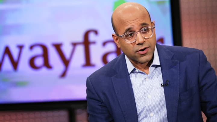 Wayfair employees walk out, customers call for boycott over border ...