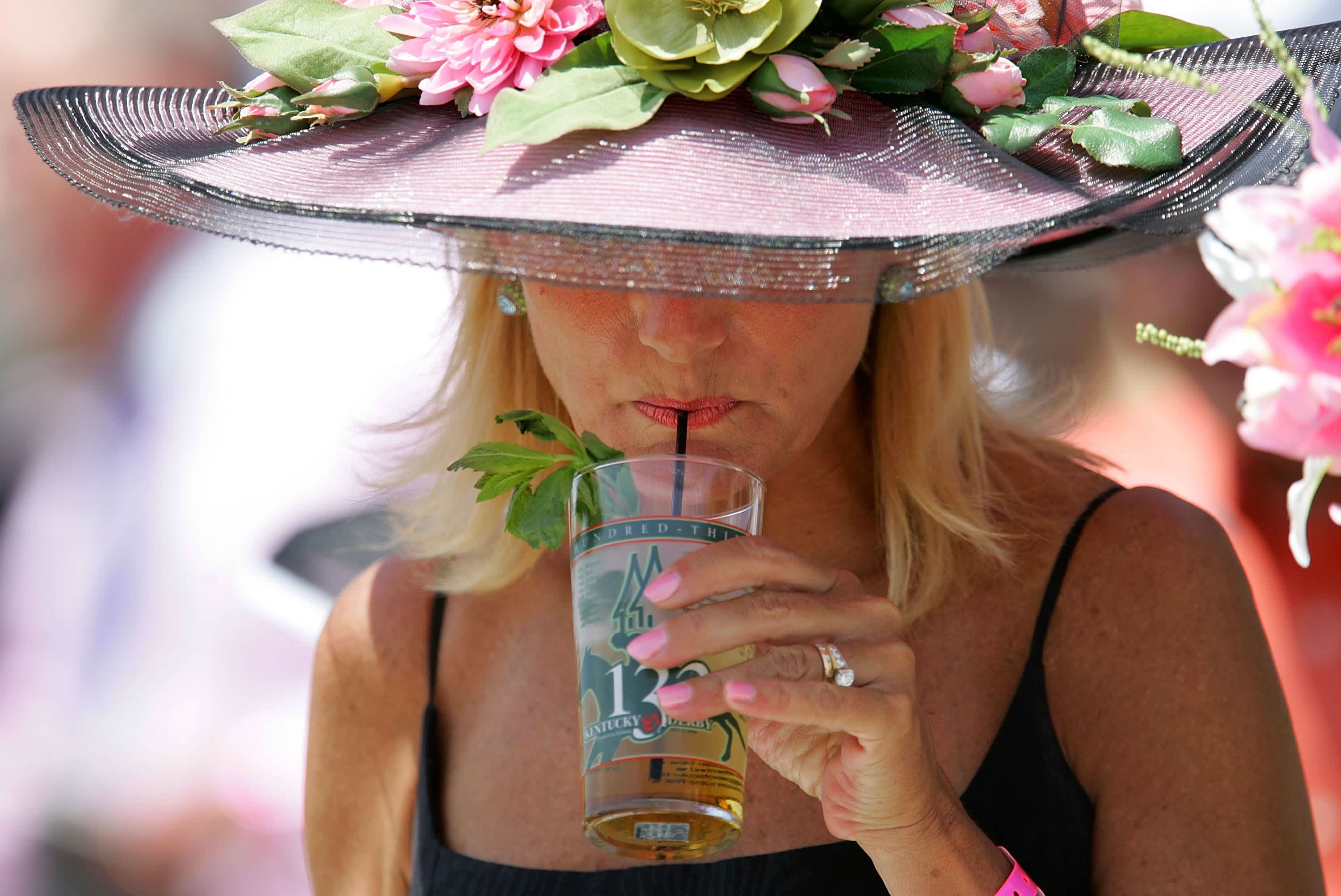 Here's what you get if you buy a $1,000 mint julep at the Kentucky Derby