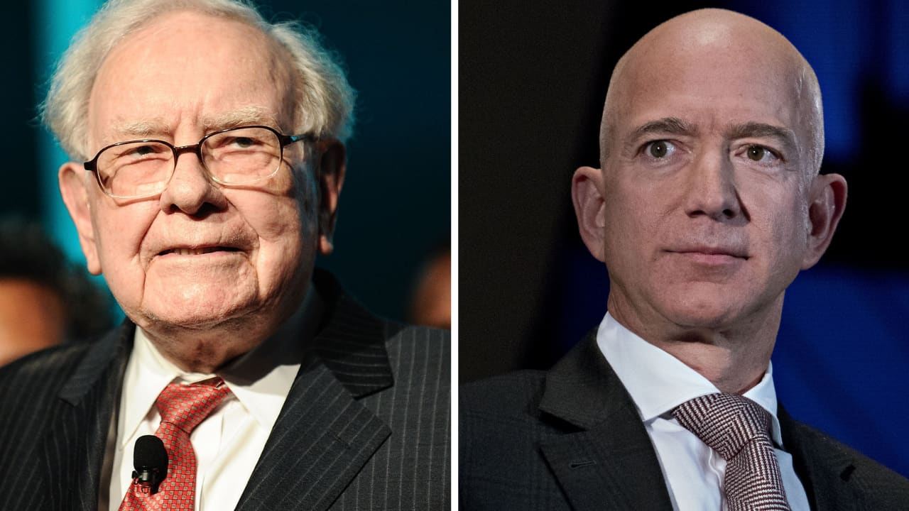 Warren Buffett's Berkshire Hathaway reveals $900 million Amazon stake